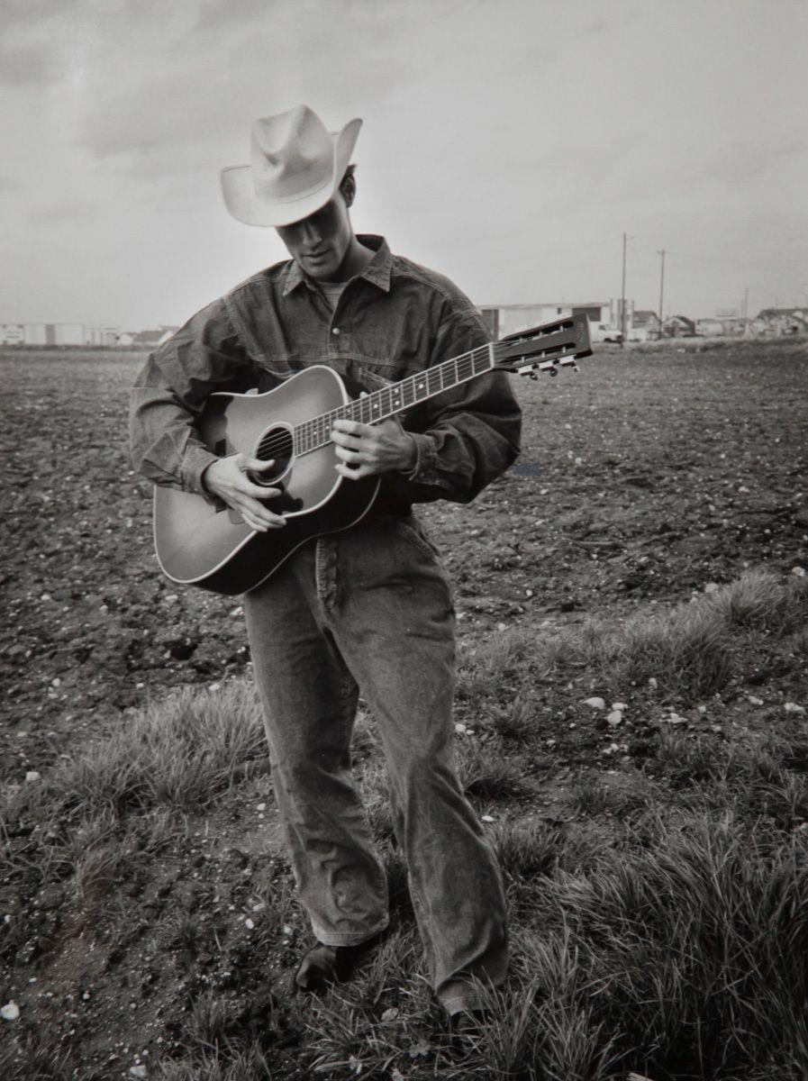 1cowboy_and_guitar_4.jpg