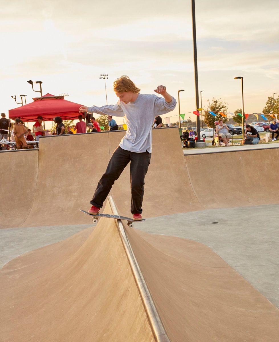 Board slide transfer over the hip