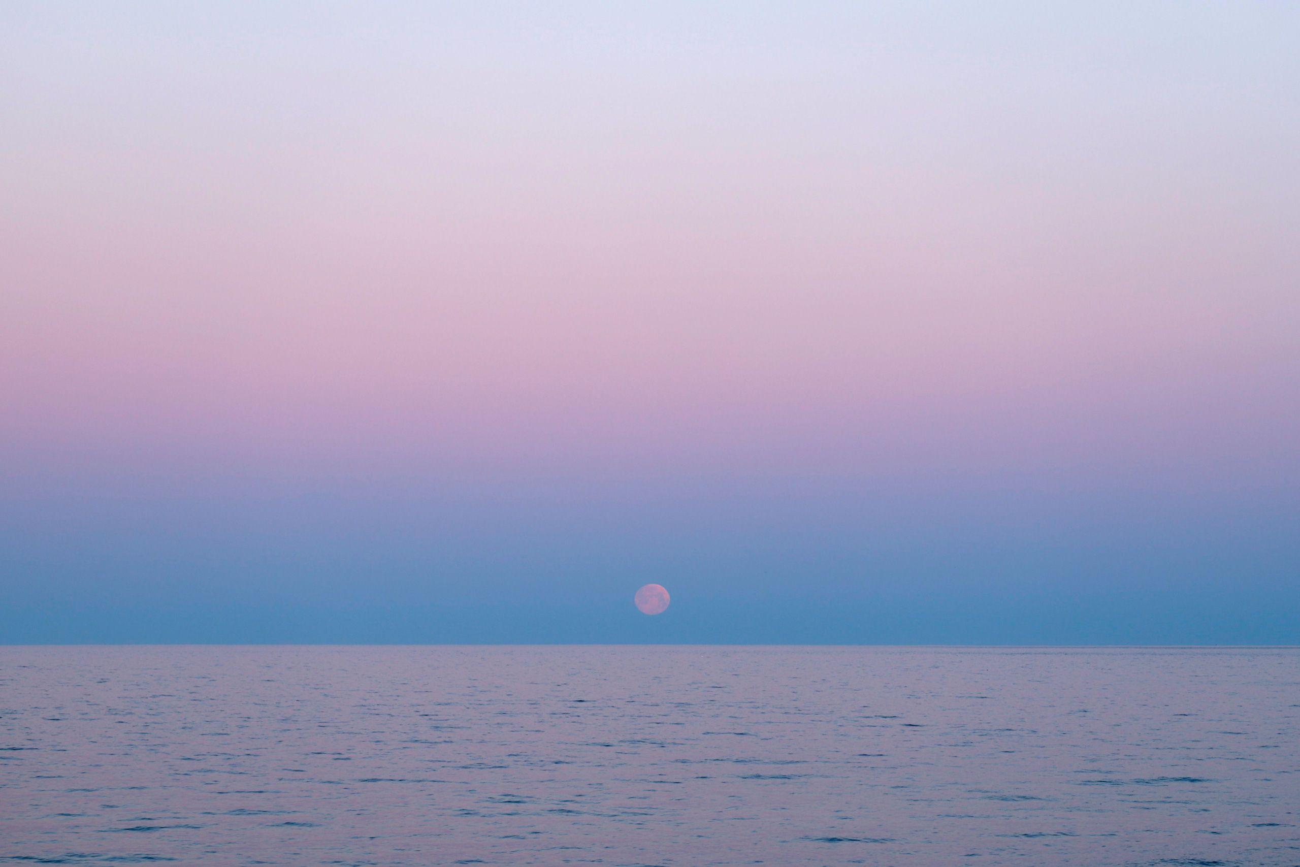 Moonset_1112web.jpg