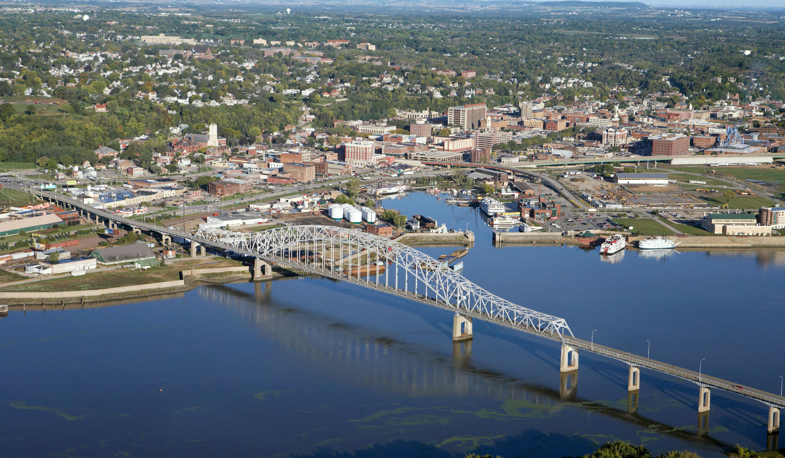 Aerial photograph of downtown Dubuque, Iowa, Mississippi River, Iowa/Illinois bridge