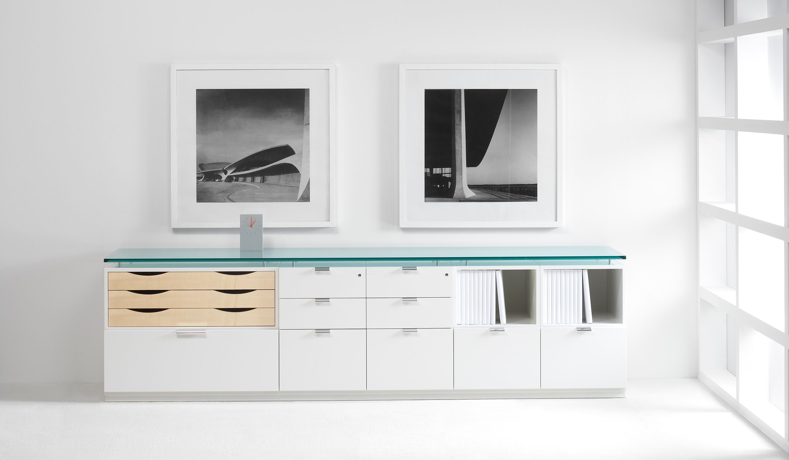 Halcon office furniture photograph