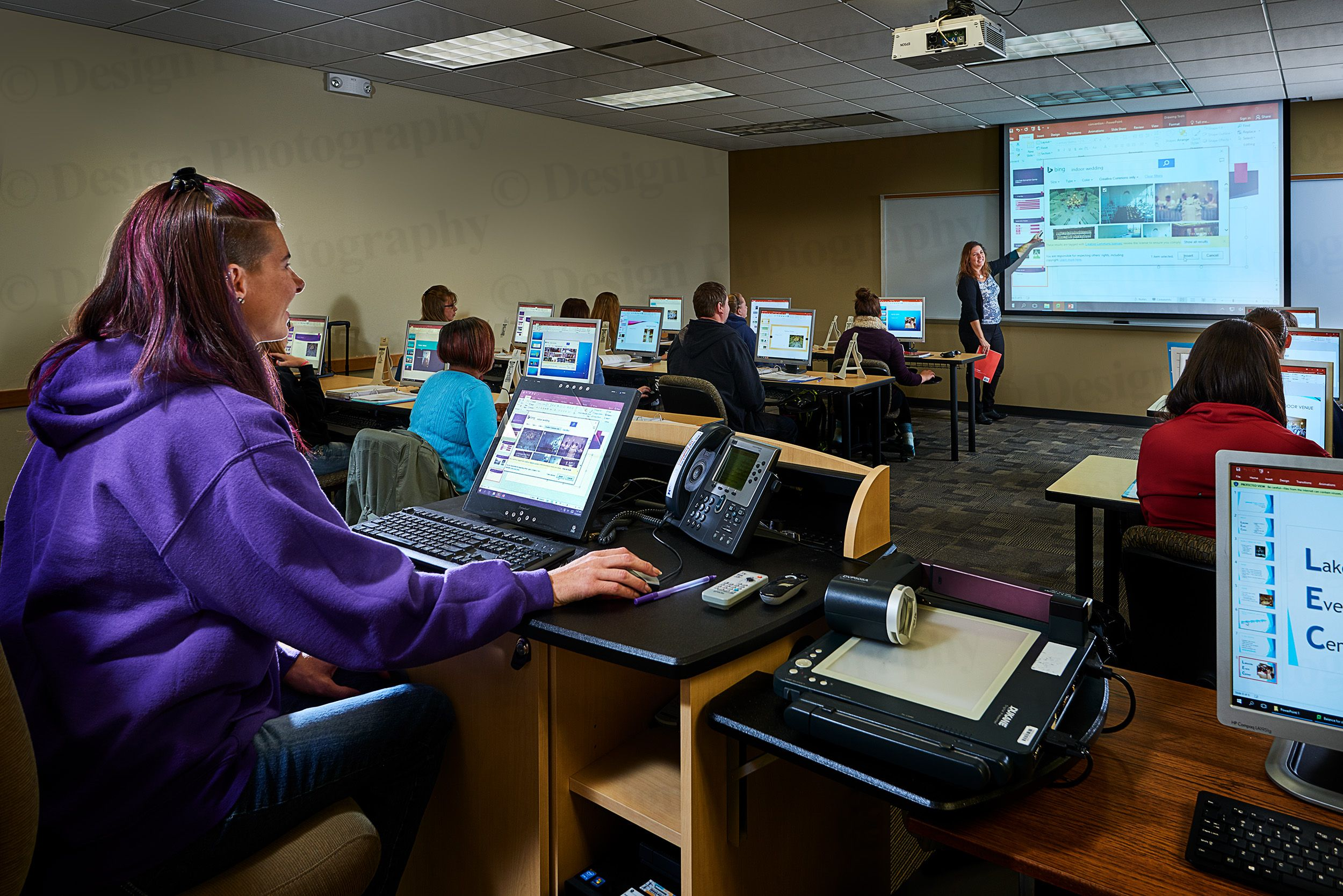 Hawkeye Community College Students in a classroom