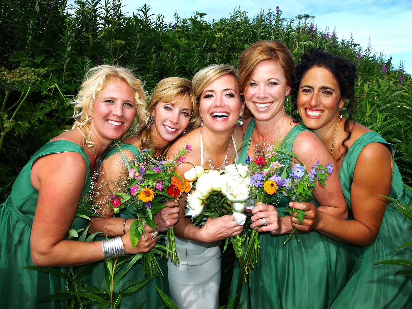 kim & her bridesmaids