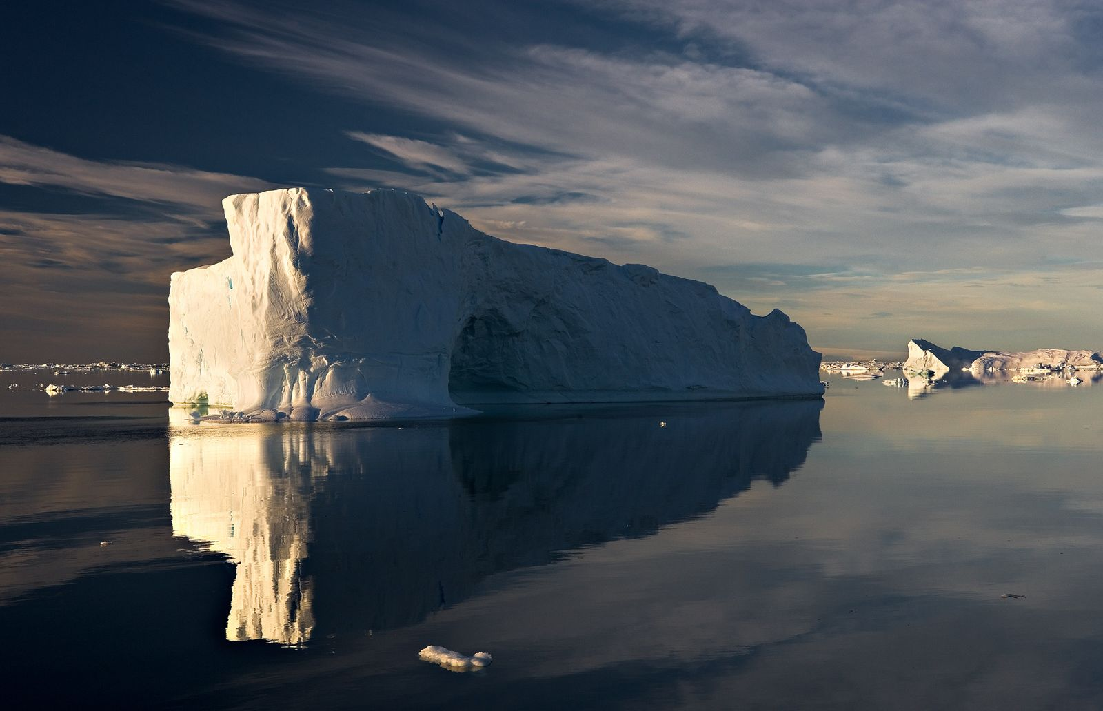 1cathedral_iceberg_h_rtp