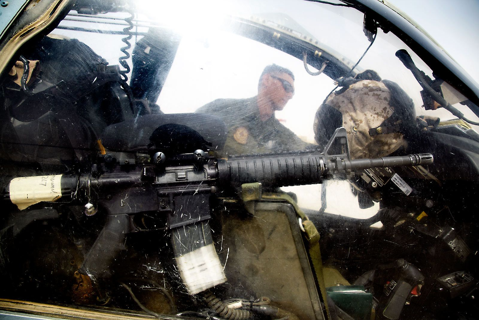 1marine_helicopter_crew_afghanistan