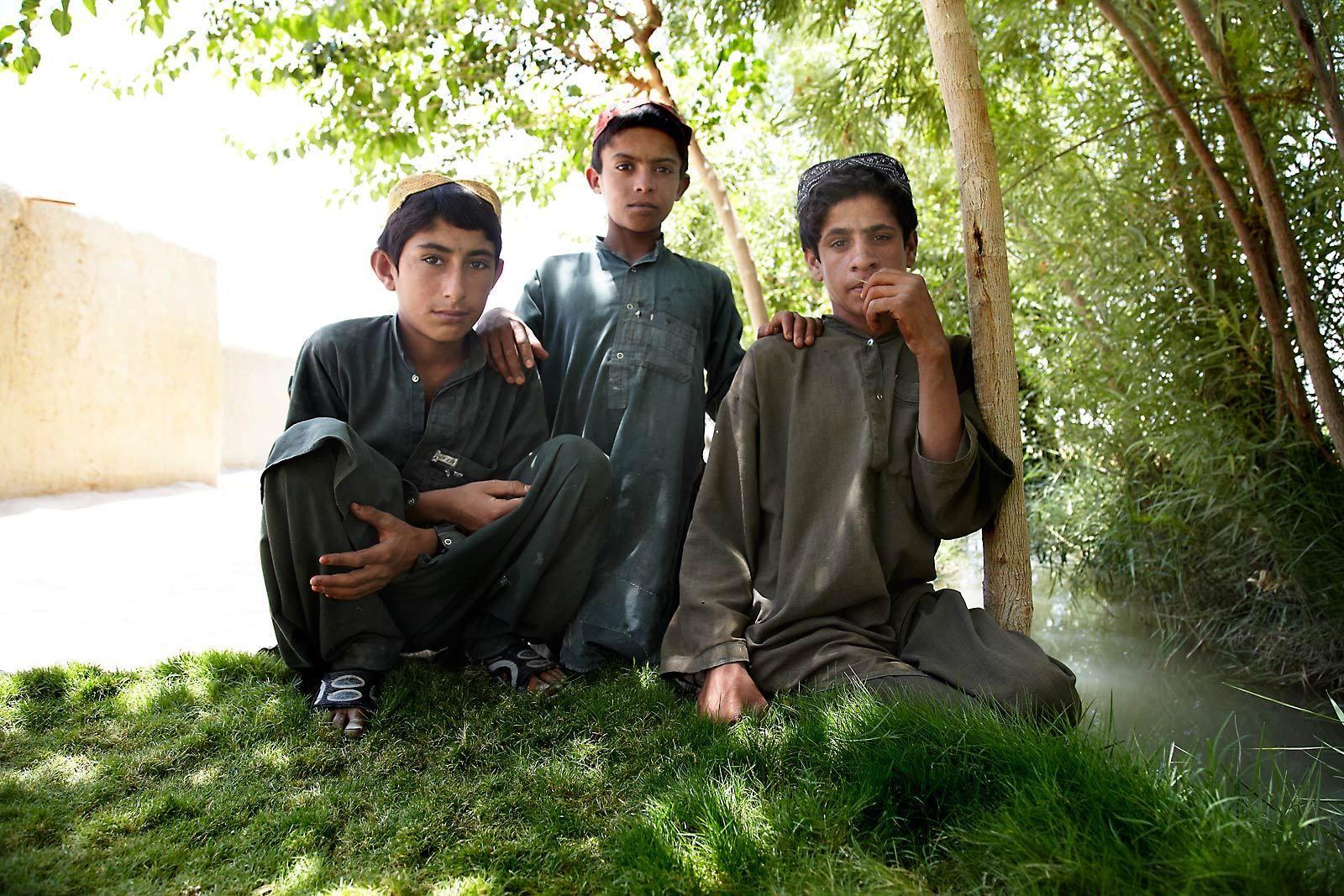 11-afghan_kids_garm_ser