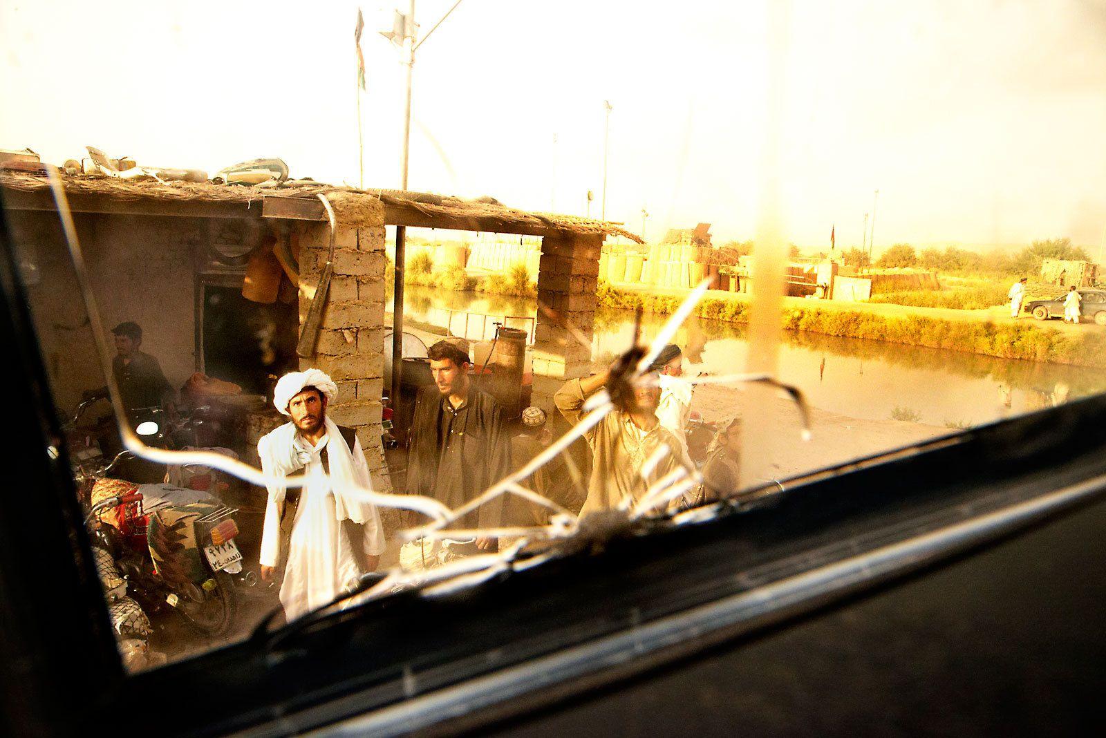 1afghan_village_helmand_river