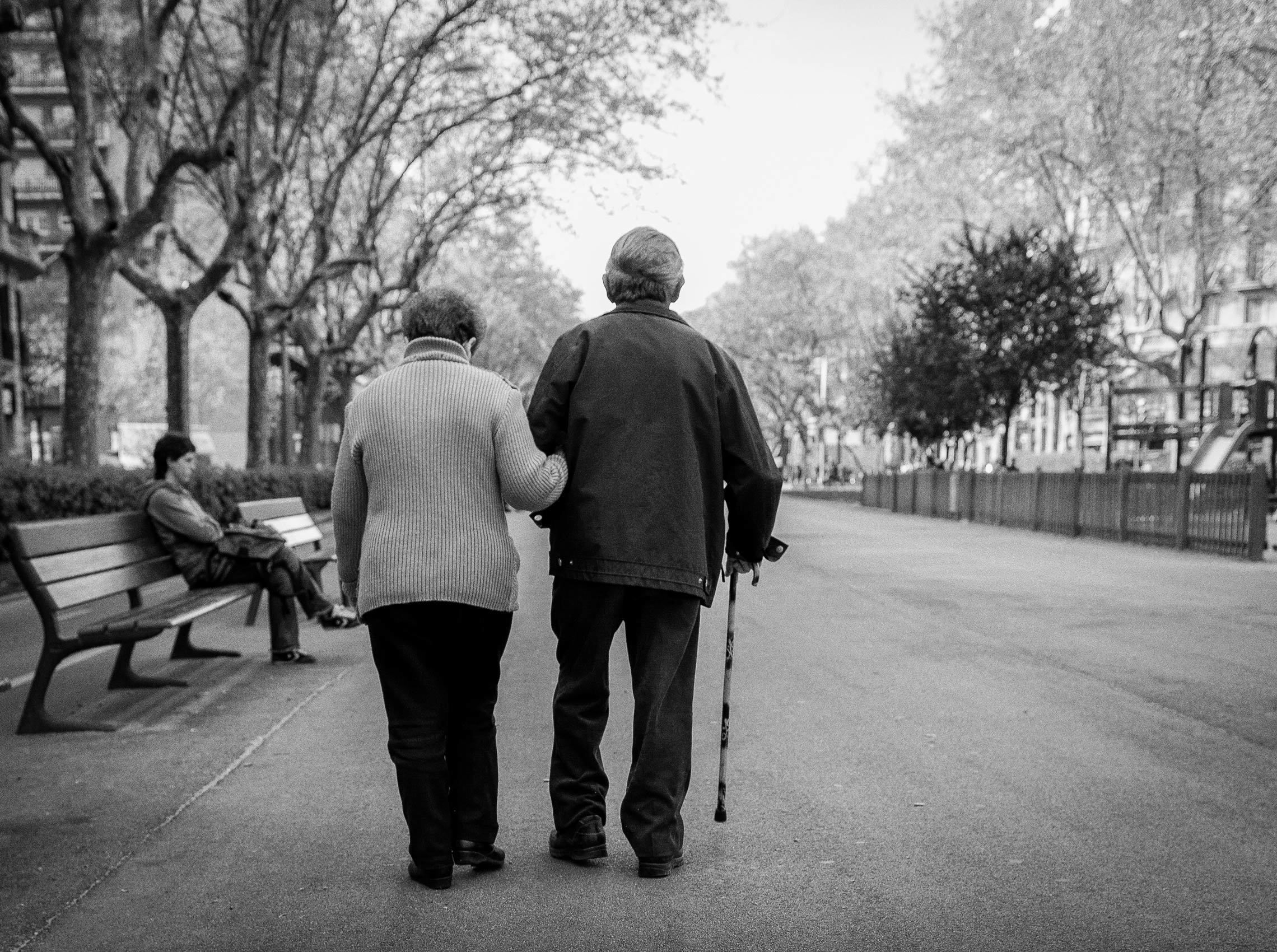 1oldercouplewalking
