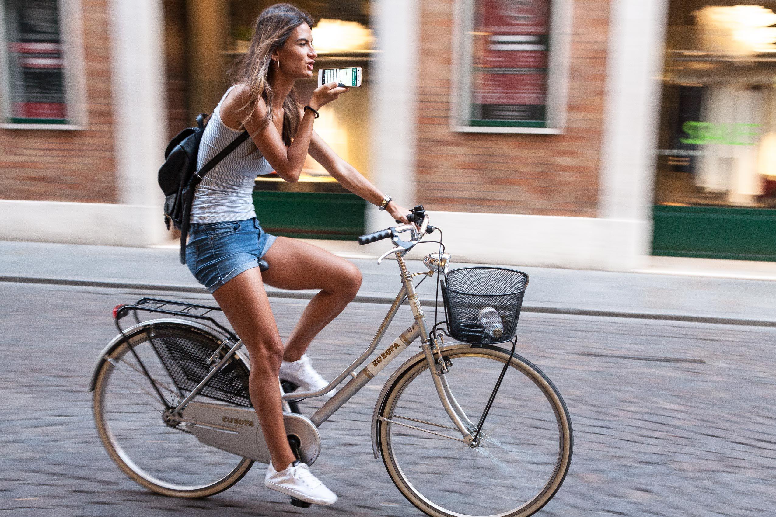 1womanonbike