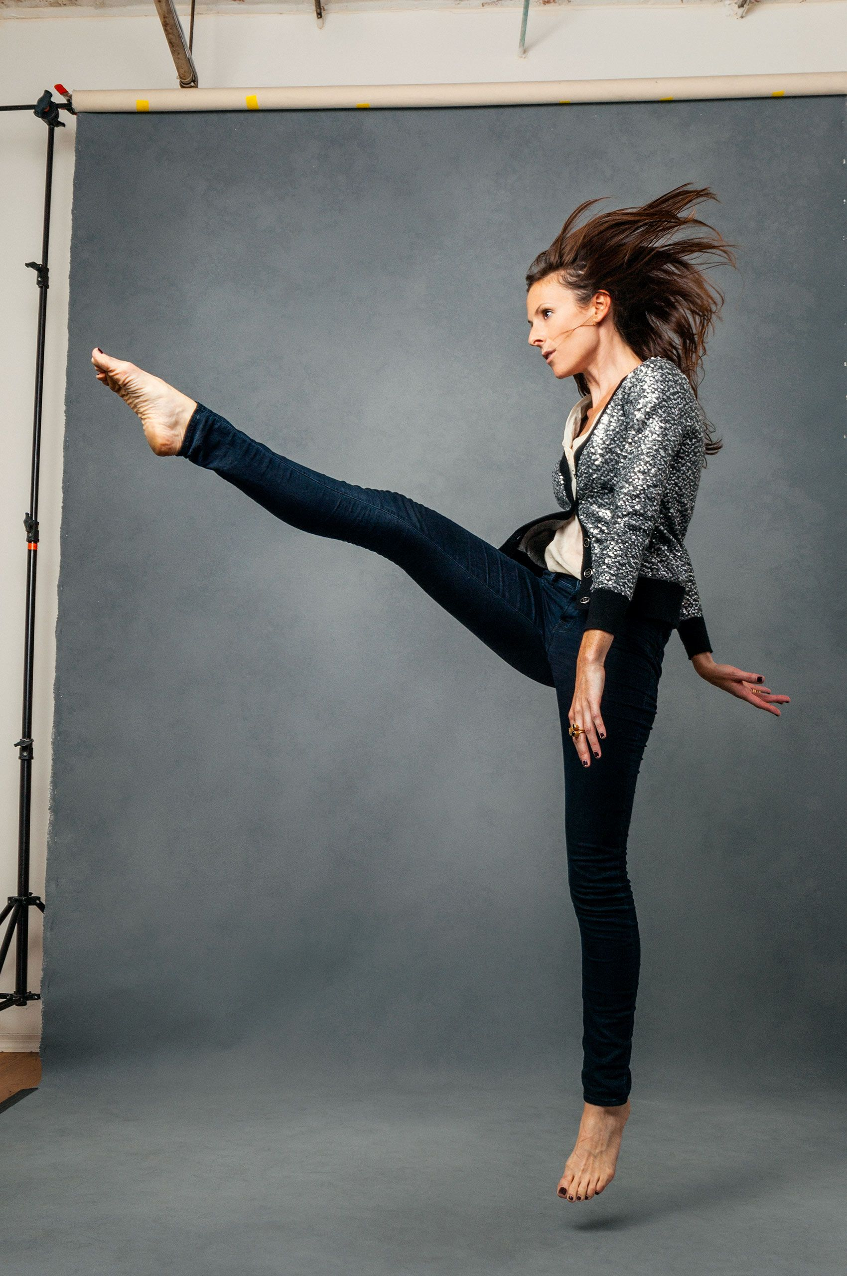 Woman-kicking-HenrikOlundPhotography.jpg