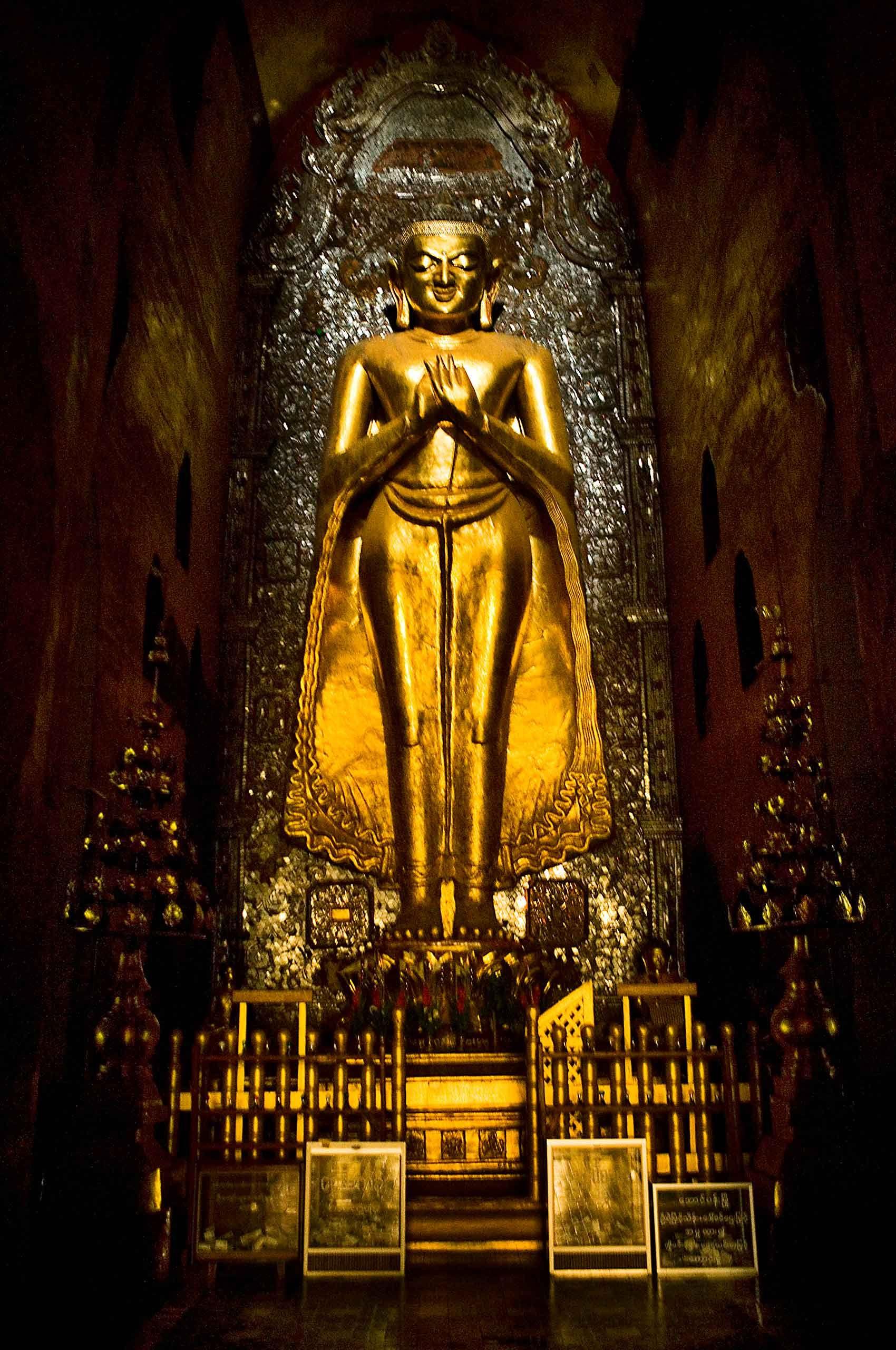 buddha-bagan-myanmar-by-henrikolundphotography.jpg