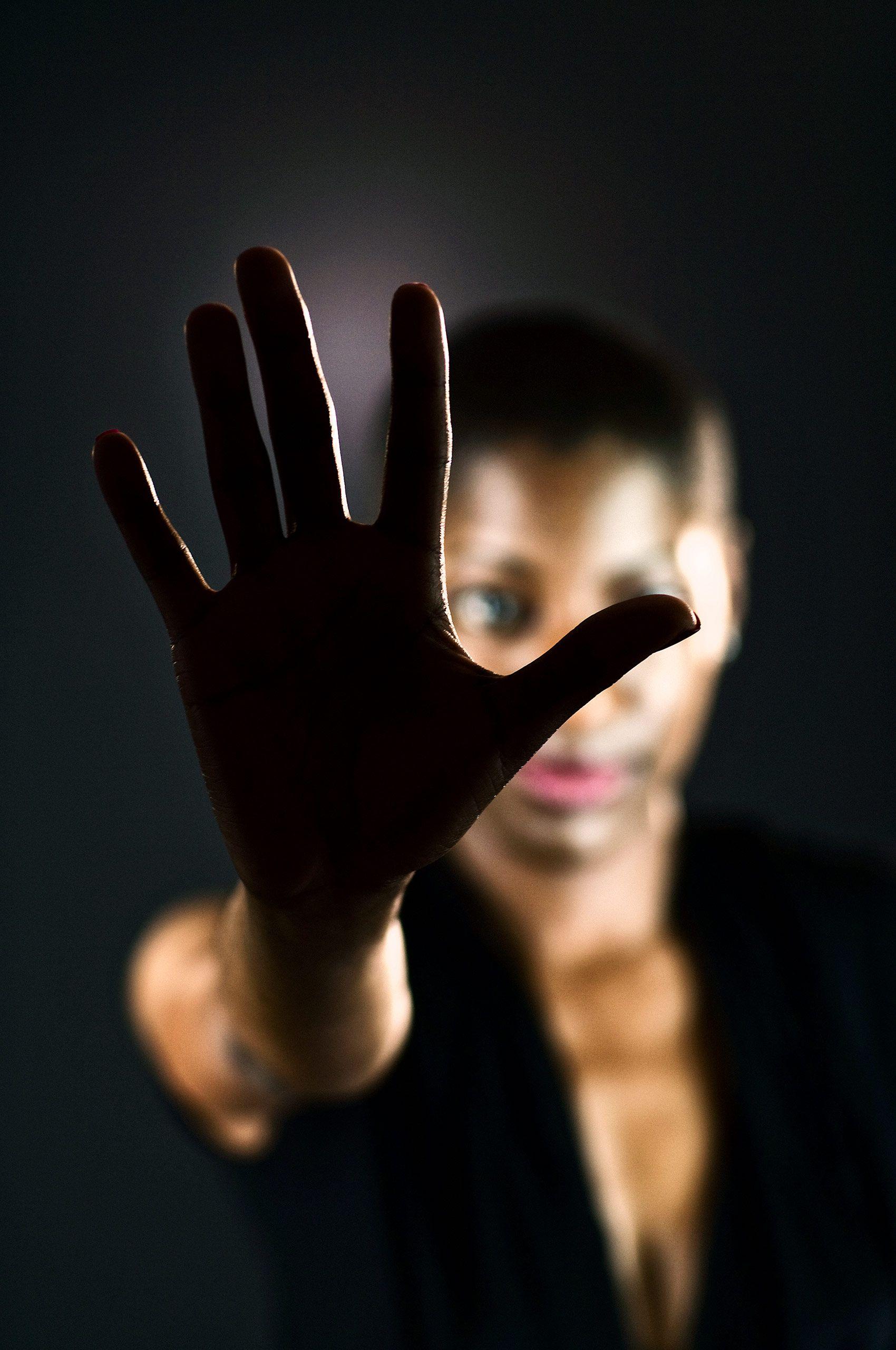 Hand-africanamerican-woman-HenrikOlundPhotography.jpg
