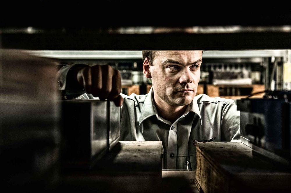 team-leader-wustof-factory-solingen-germany-by-HenrikOlundPhotography.jpg