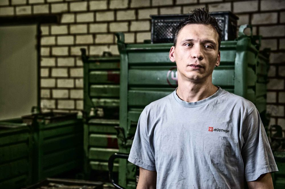 worker-wustof-factory-solingen-germany-by-HenrikOlundPhotography.jpg