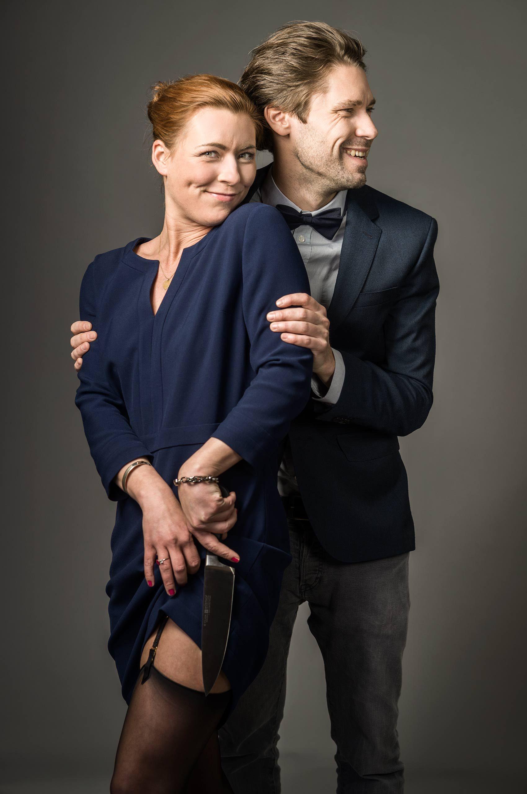 couple-knifegames-by-HenrikOlundPhotography.jpg