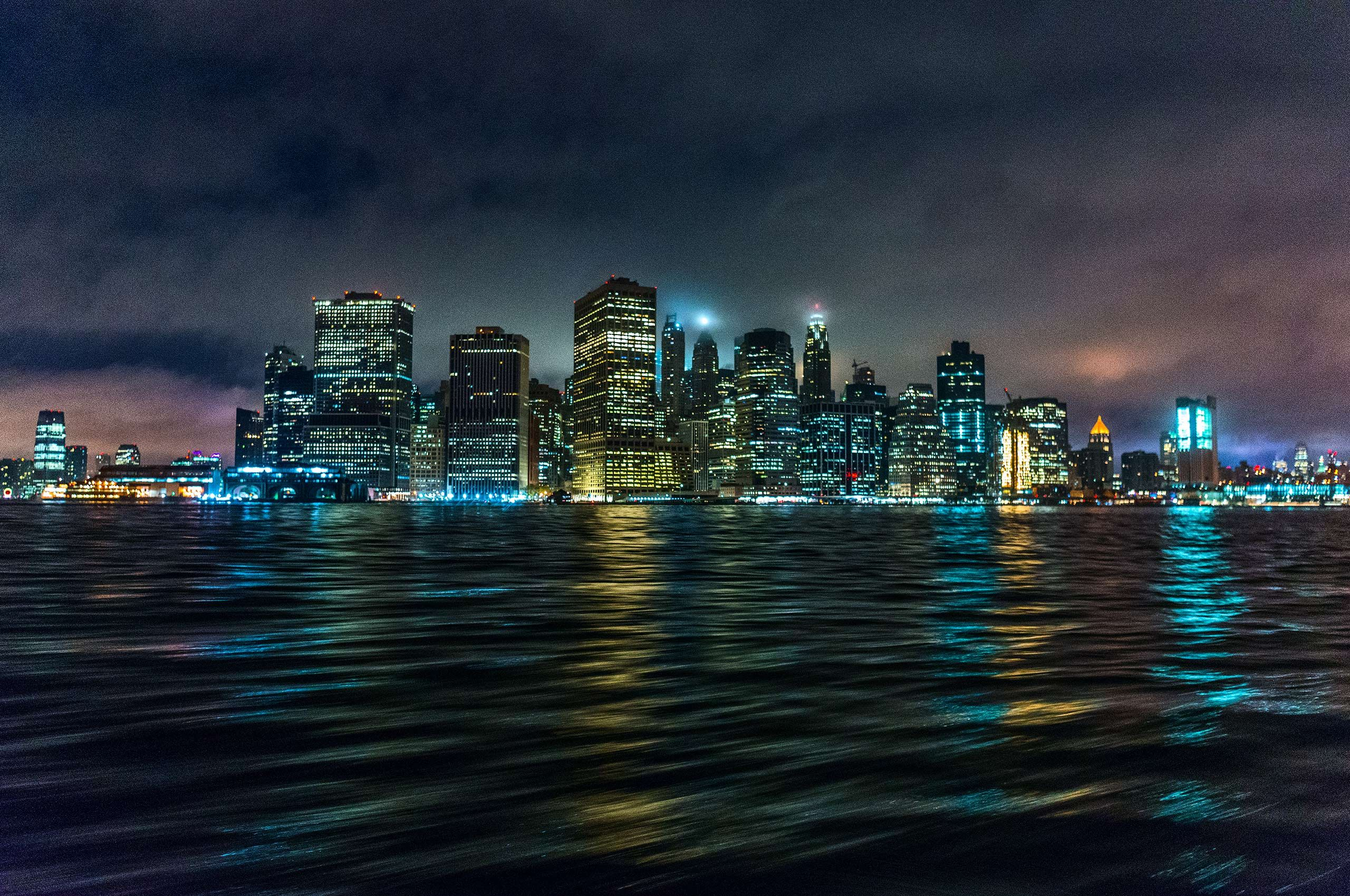 Cityscape-Night-Sea-Water-NewYork-Downtown-HenrikOlundPhotography.jpg