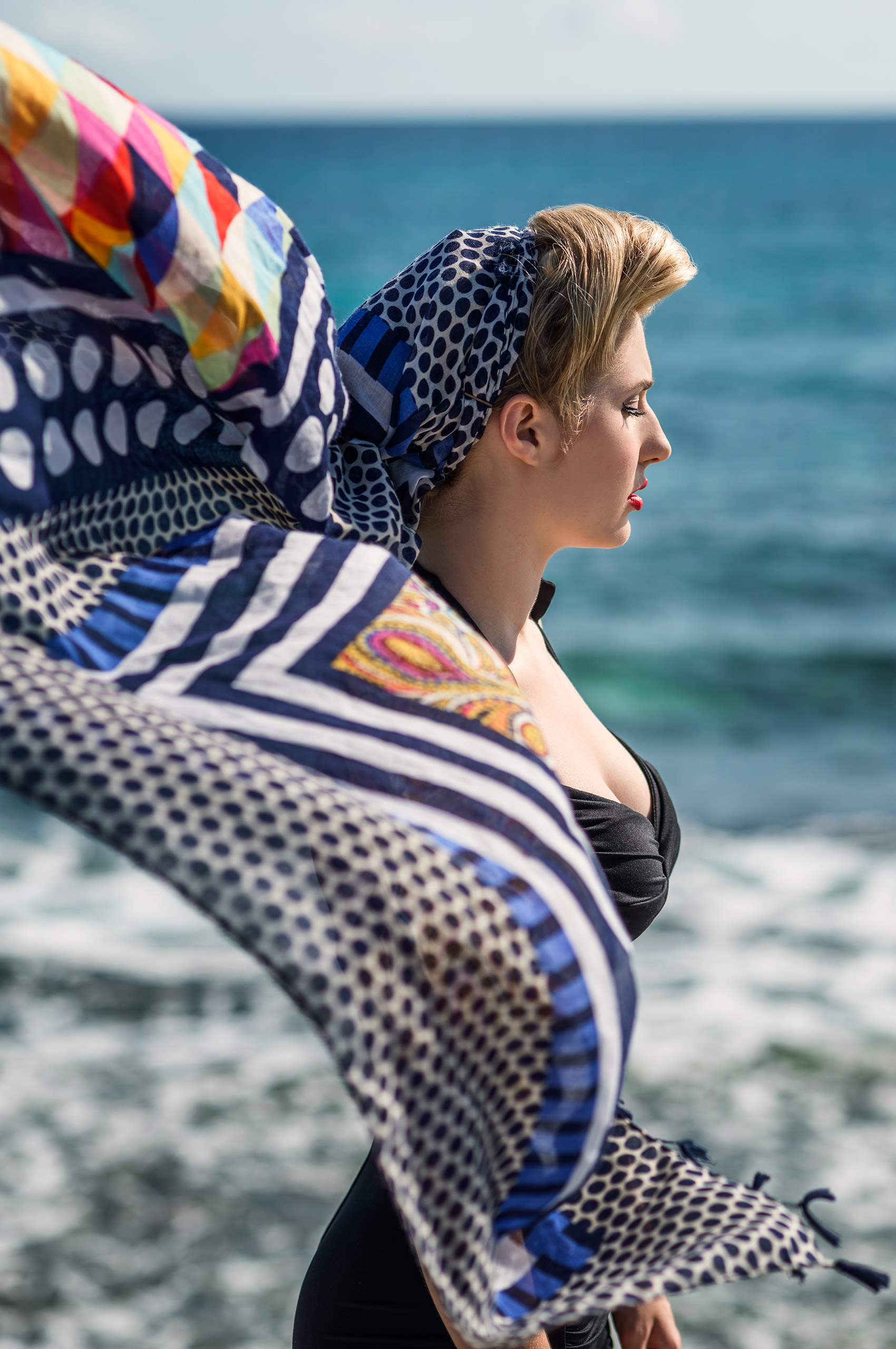 Woman-with-Scarf-by-sea-HenrikOlundPhotography.jpg