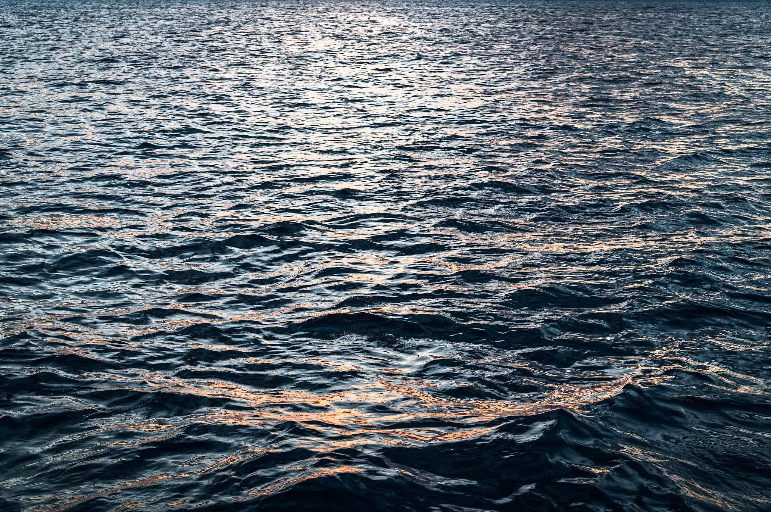 Waves-Ocean-HenrikOlundPhotography.jpg