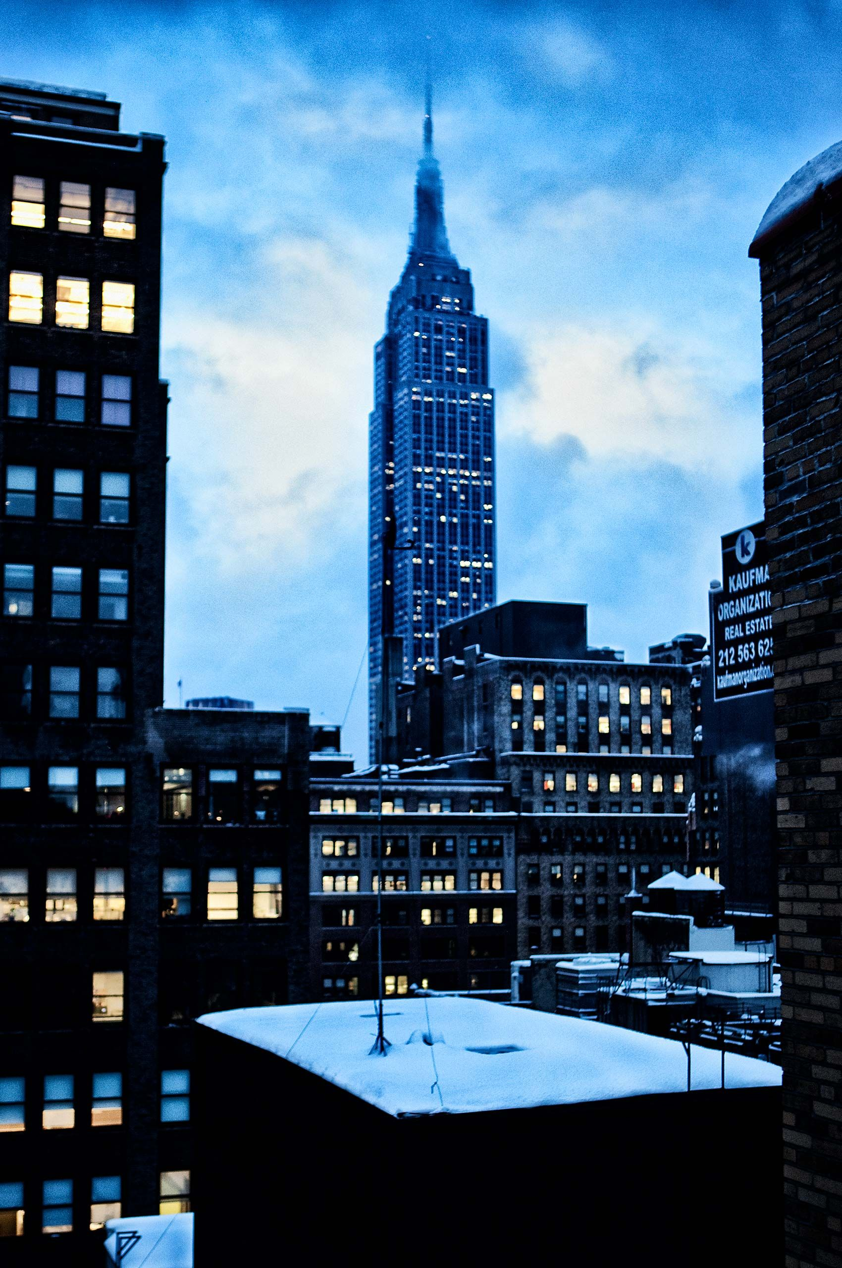 empire-state-at-dusk-newyork-HenrikOlundPhotography..jpg