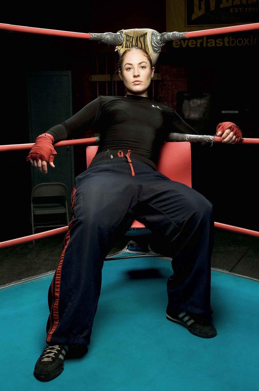 Female-Boxer_at-GleasonsGym-NewYorkInstitutions-by-HenrikOlundPhotography.jpg