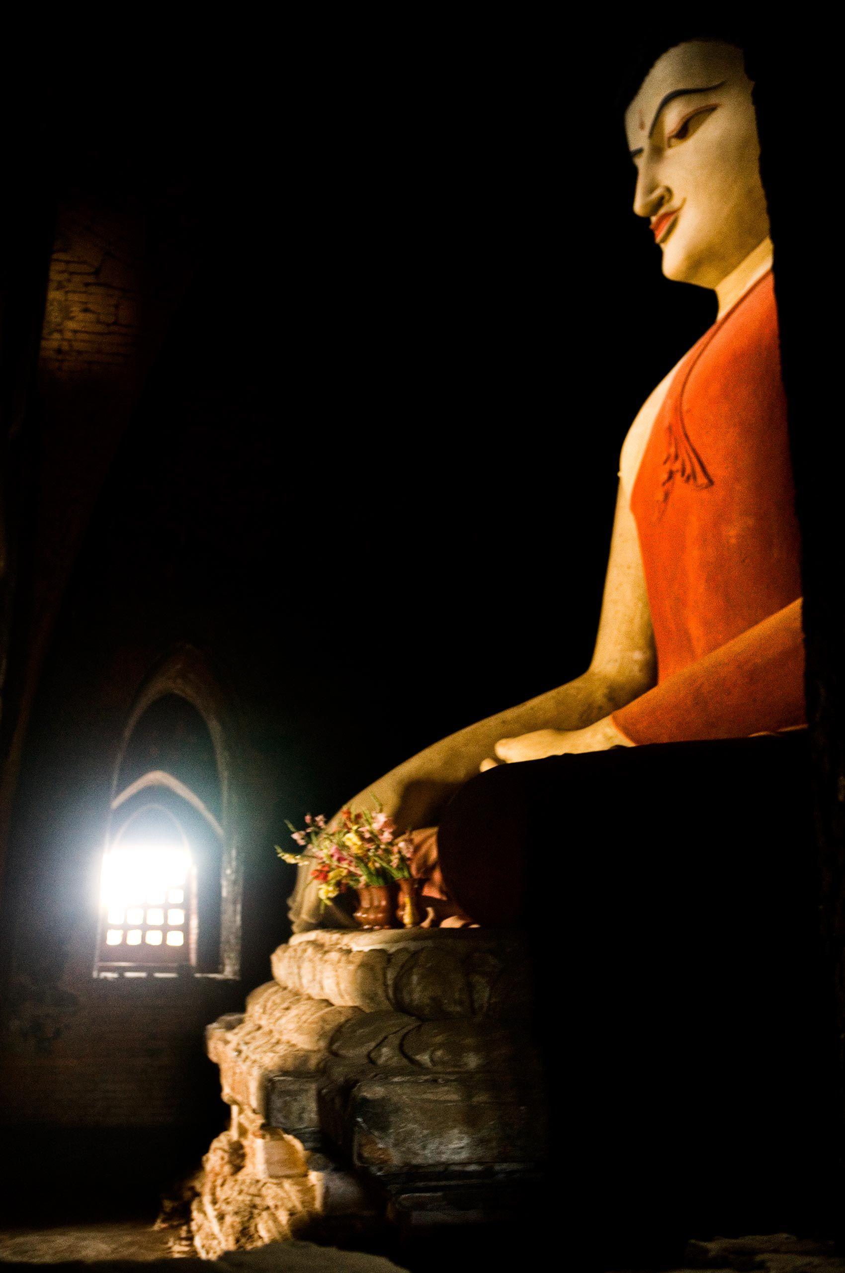 bagan-buddha-myanmar-HenrikOlundPhotography.jpg