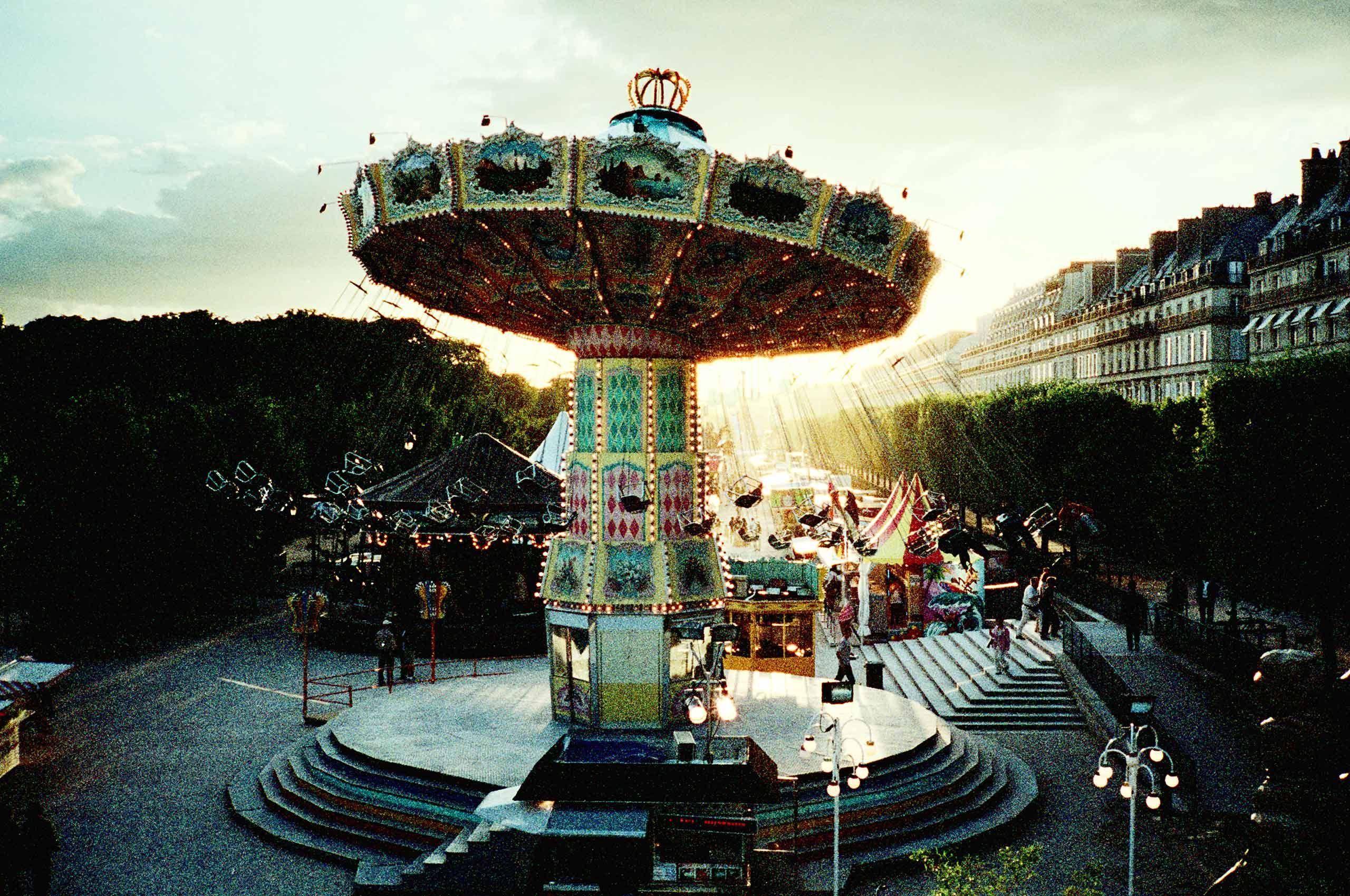 carousel-paris-by-henrikolundphotography.jpg