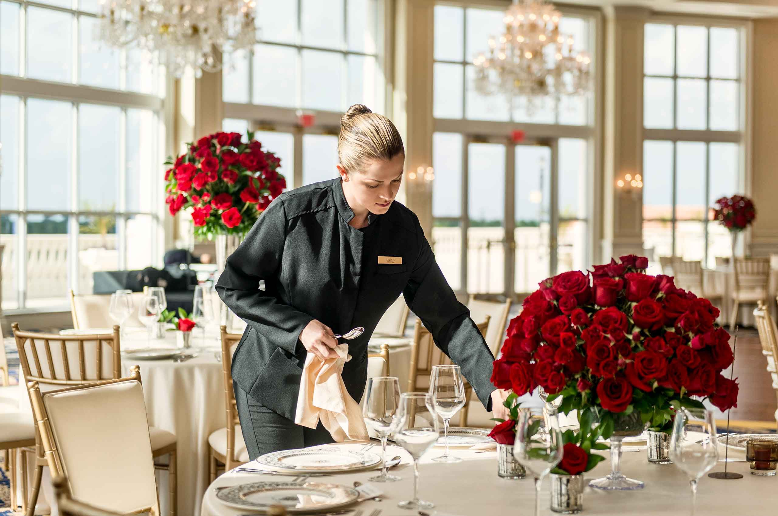 Server-setting-table-by-WeddingVenue-by-HenrikOlundPhotography.jpg