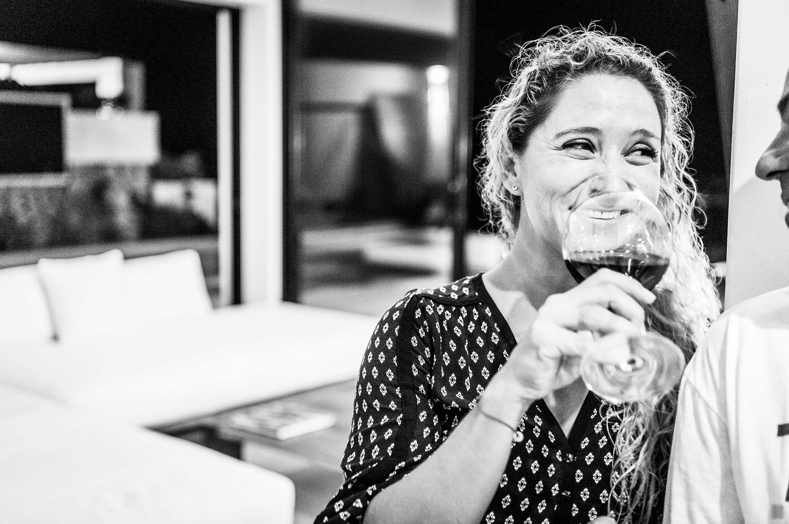 woman-with-wine-HenrikOlundPhotography.jpg