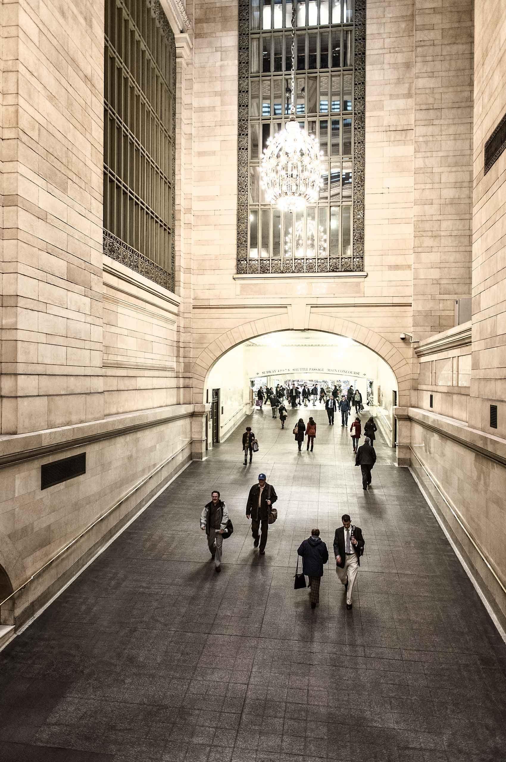 grandcentralterminal-commuters-by-HenrikOlundPhotography.jpg