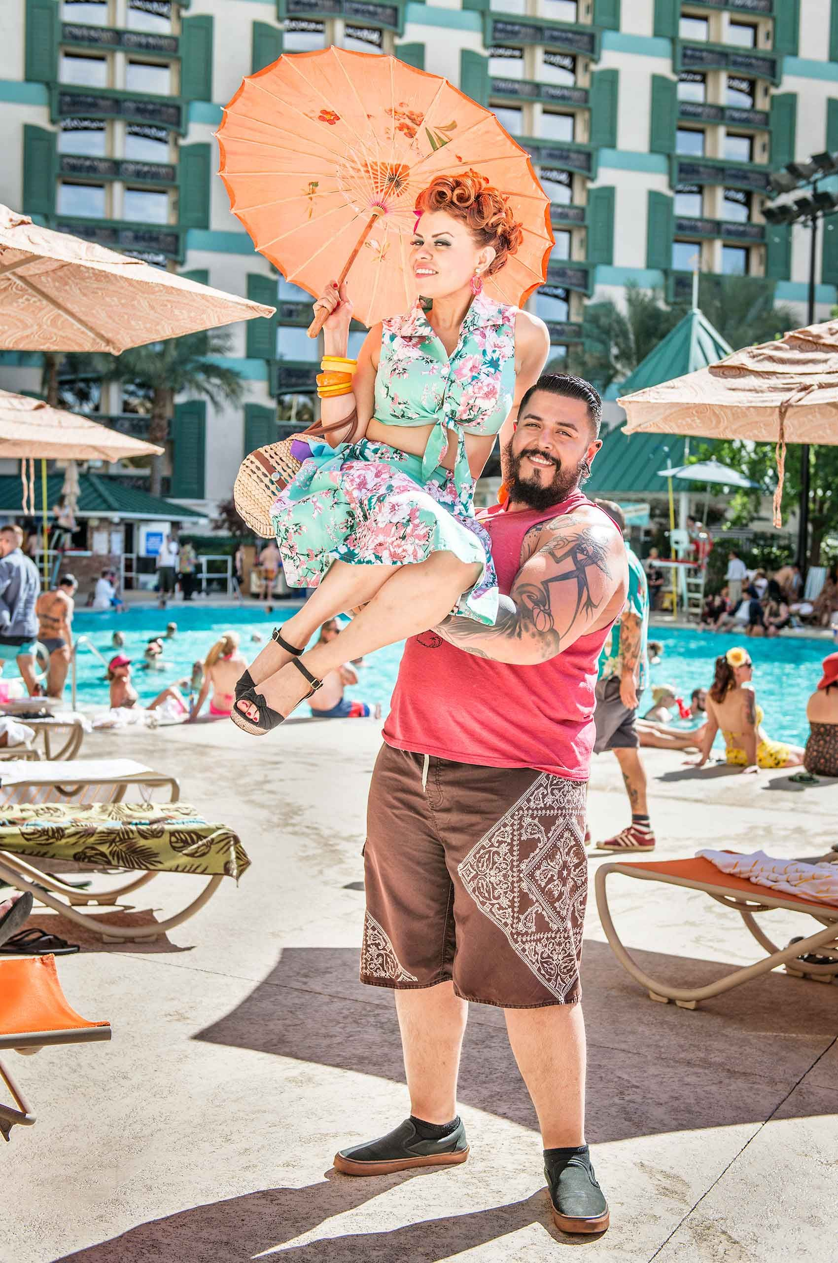 man-lifting-woman-vivalasvegas-rockabillyweekend-lasvegas-by-henrikolundphotography.jpg