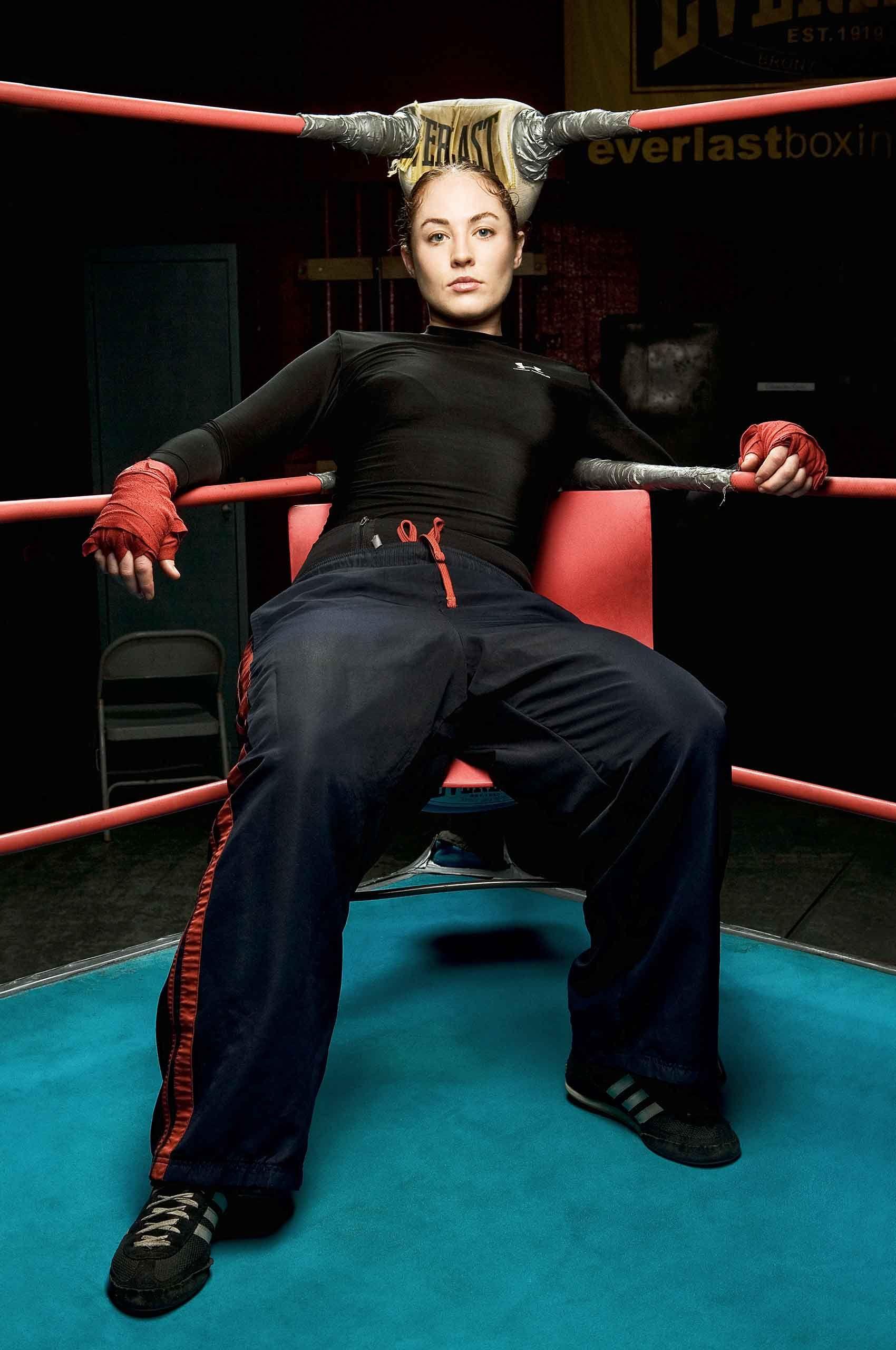 Femaleboxer-at-gleasons-brooklyn-by-HenrikOlundPhotography.jpg
