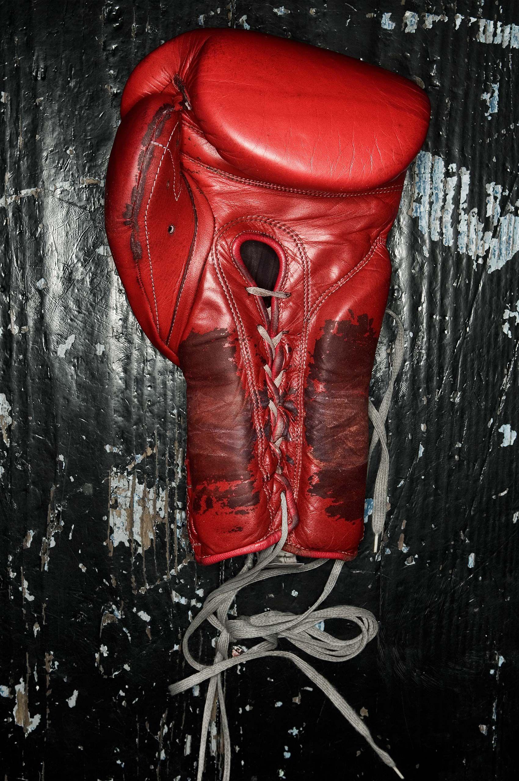 Boxing-glove-HenrikOlundPhotography.jpg
