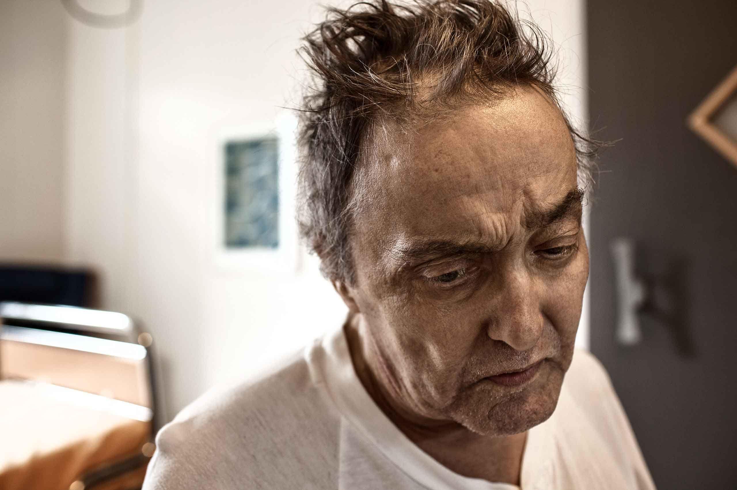 Dad-at-the-hospital-by-HenrikOlundPhotography.jpg
