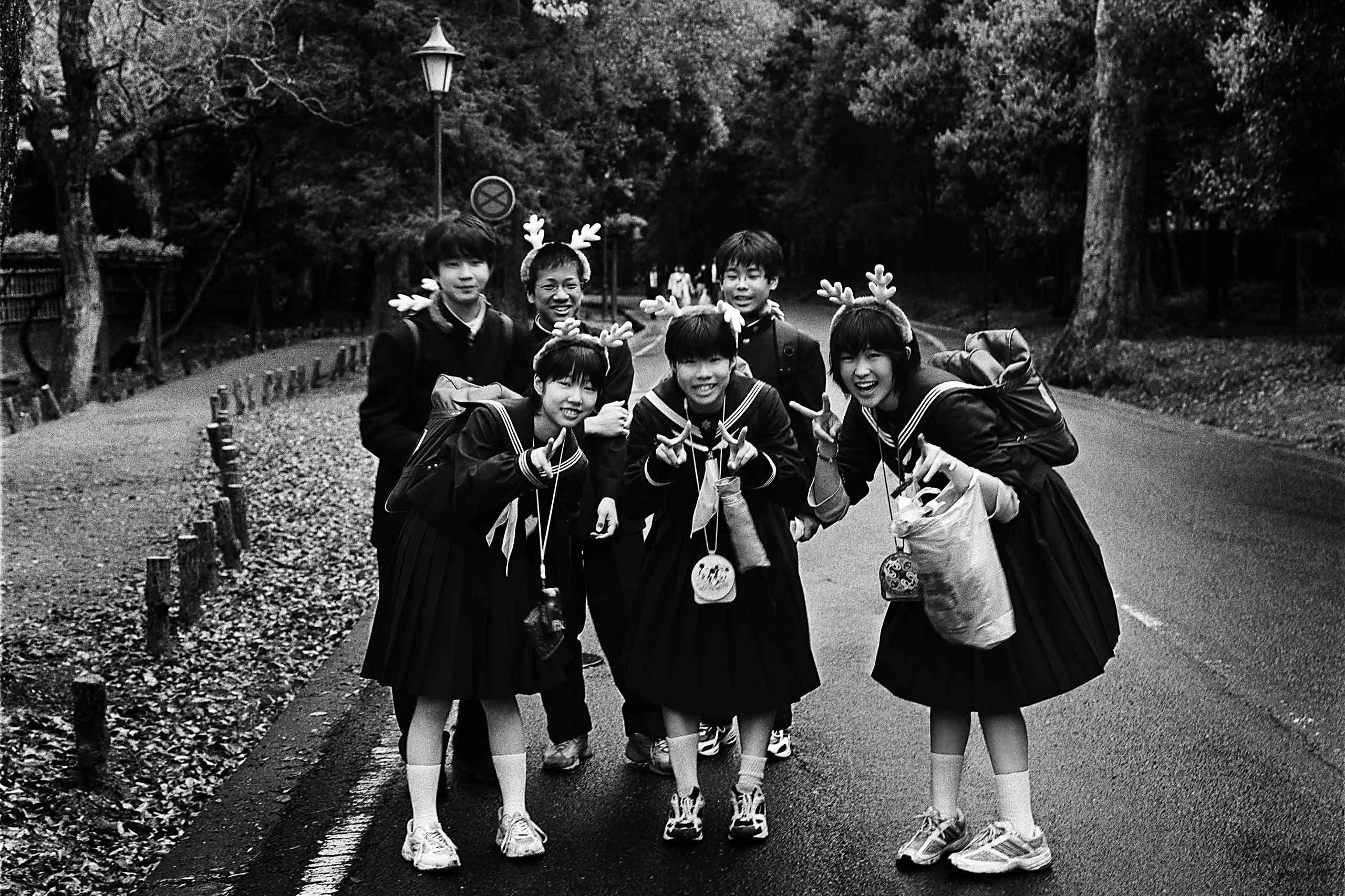 japanese-kids-nara-japan-by-HenrikOlundPhotography.jpg