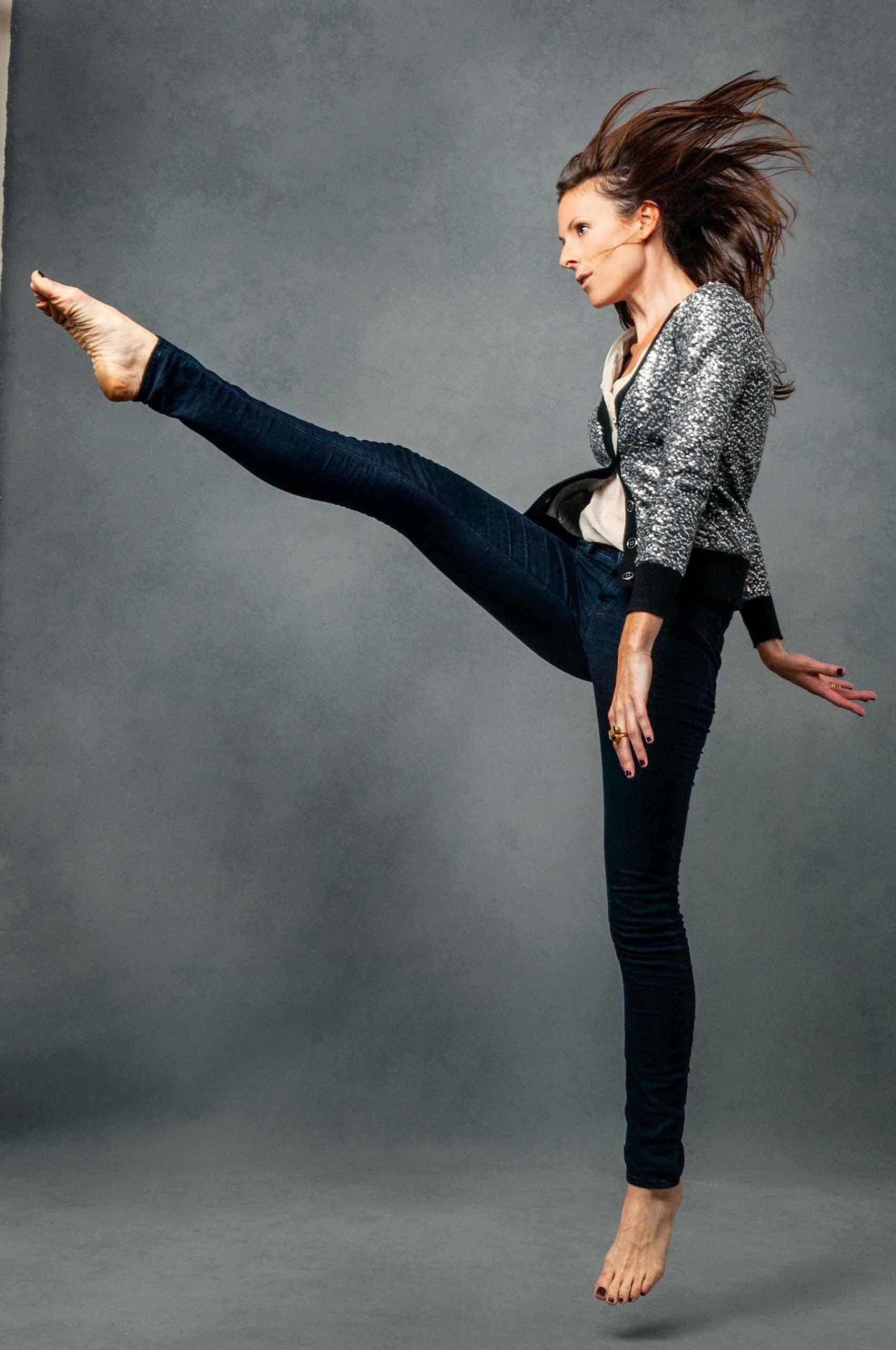 Woman-kicking-HenrikOlundPhotography.jpg
