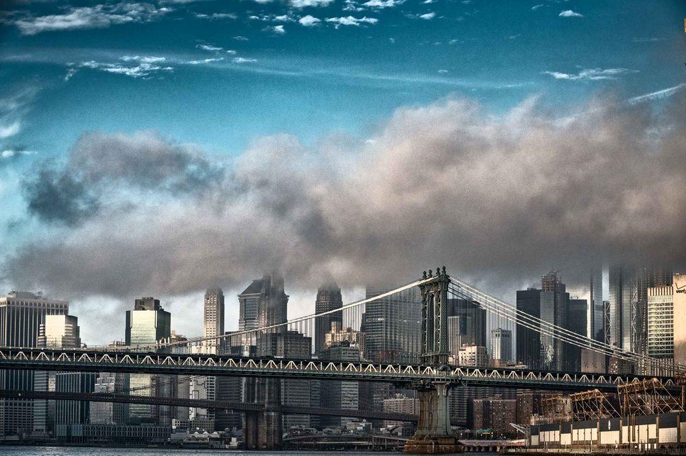 Brooklynbridge-on-a-cloudymorning-by-HenrikOlundPhotography.jpg