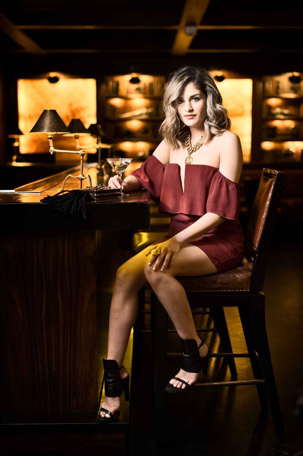 Blogger-MishaFazeli-at-Mansionbar-RosewoodHotels-Dallas-Texas-by-HenrikOlundPhotography.jpg