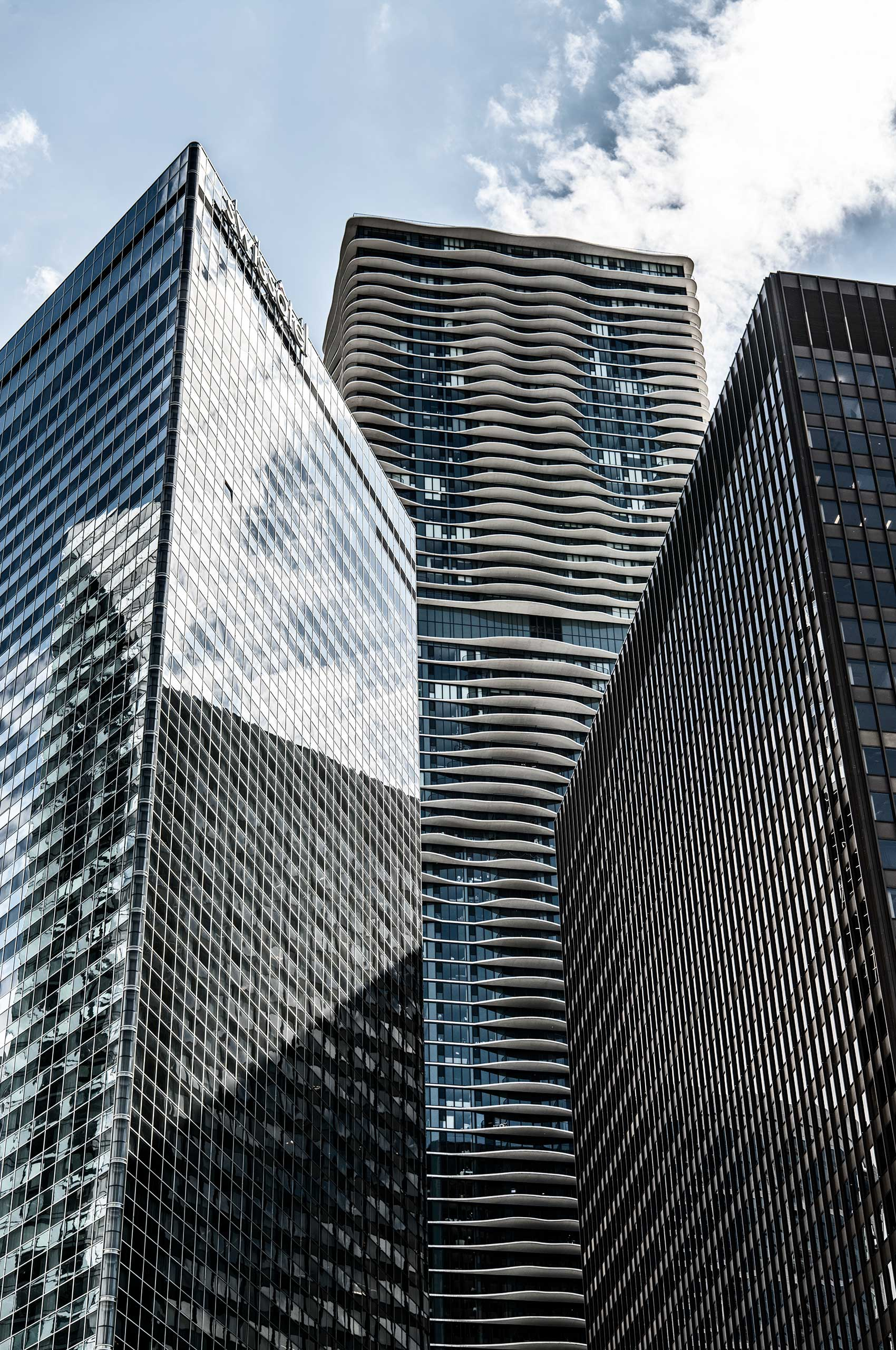 Contemporary-Skyscrapers-Chicago-HenrikOlundPhotography.jpg