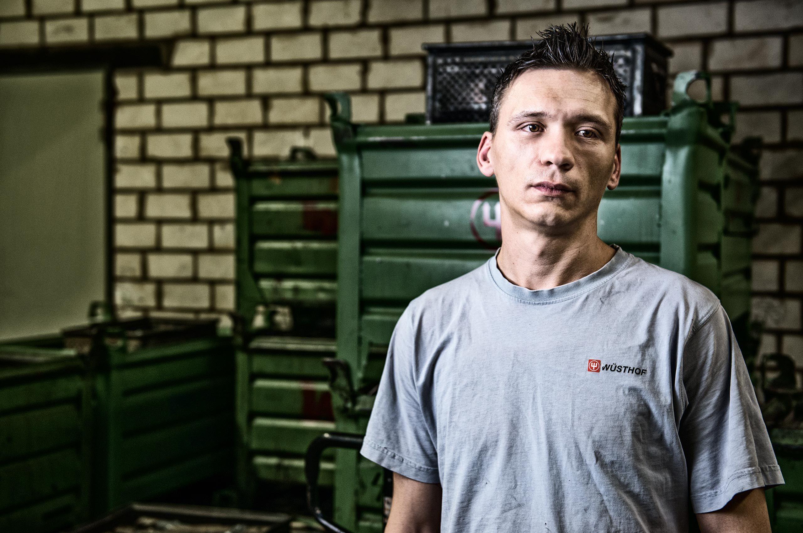 factory-worker-germany-wusthof-factory-HenrikOlundPhotography.jpg