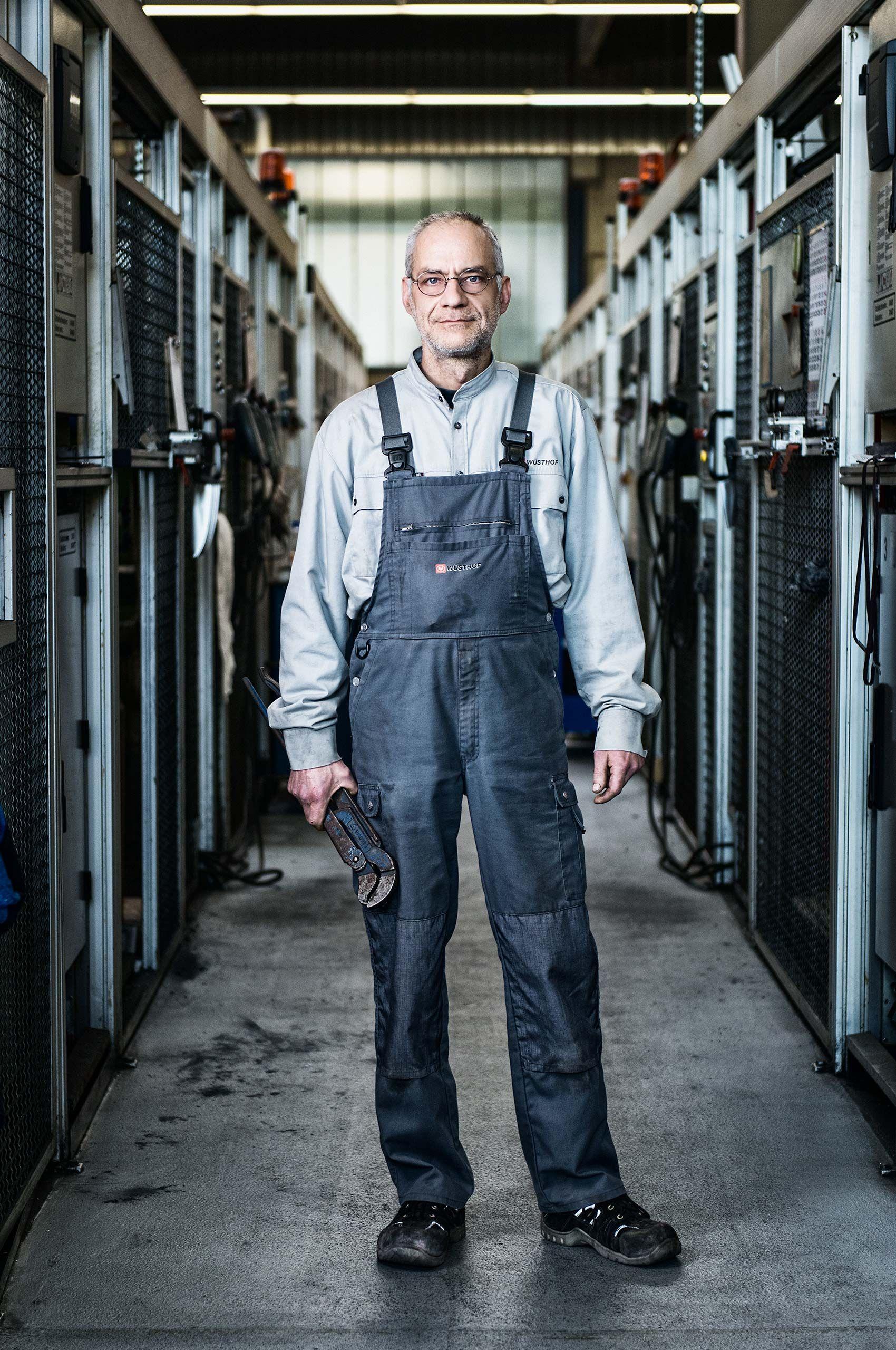 veteran-worker-wusthof-factory-HenrikOlundPhotography..jpg
