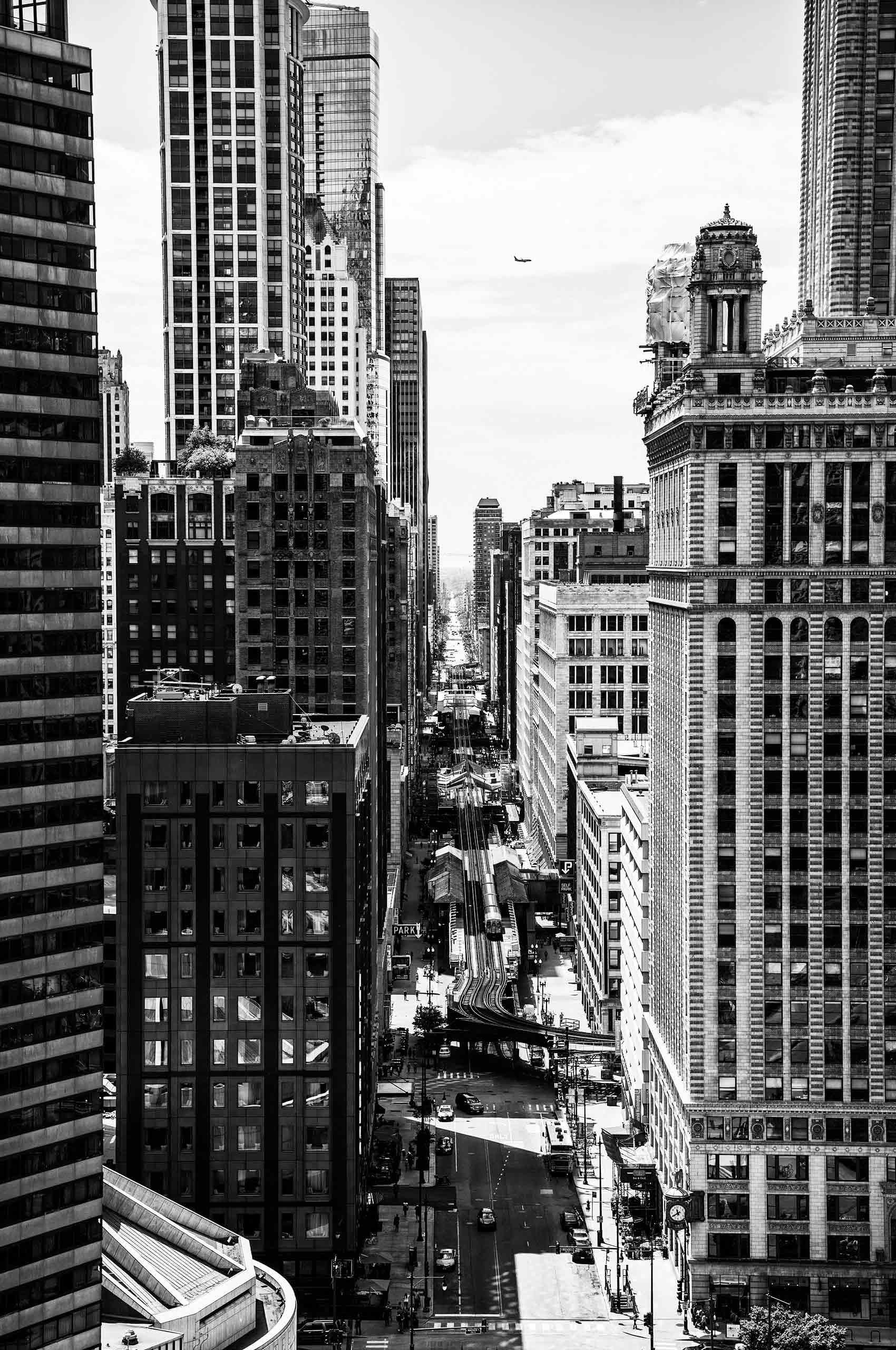 Metropolis-Chicago-by-HenrikOlundPhotography.jpg