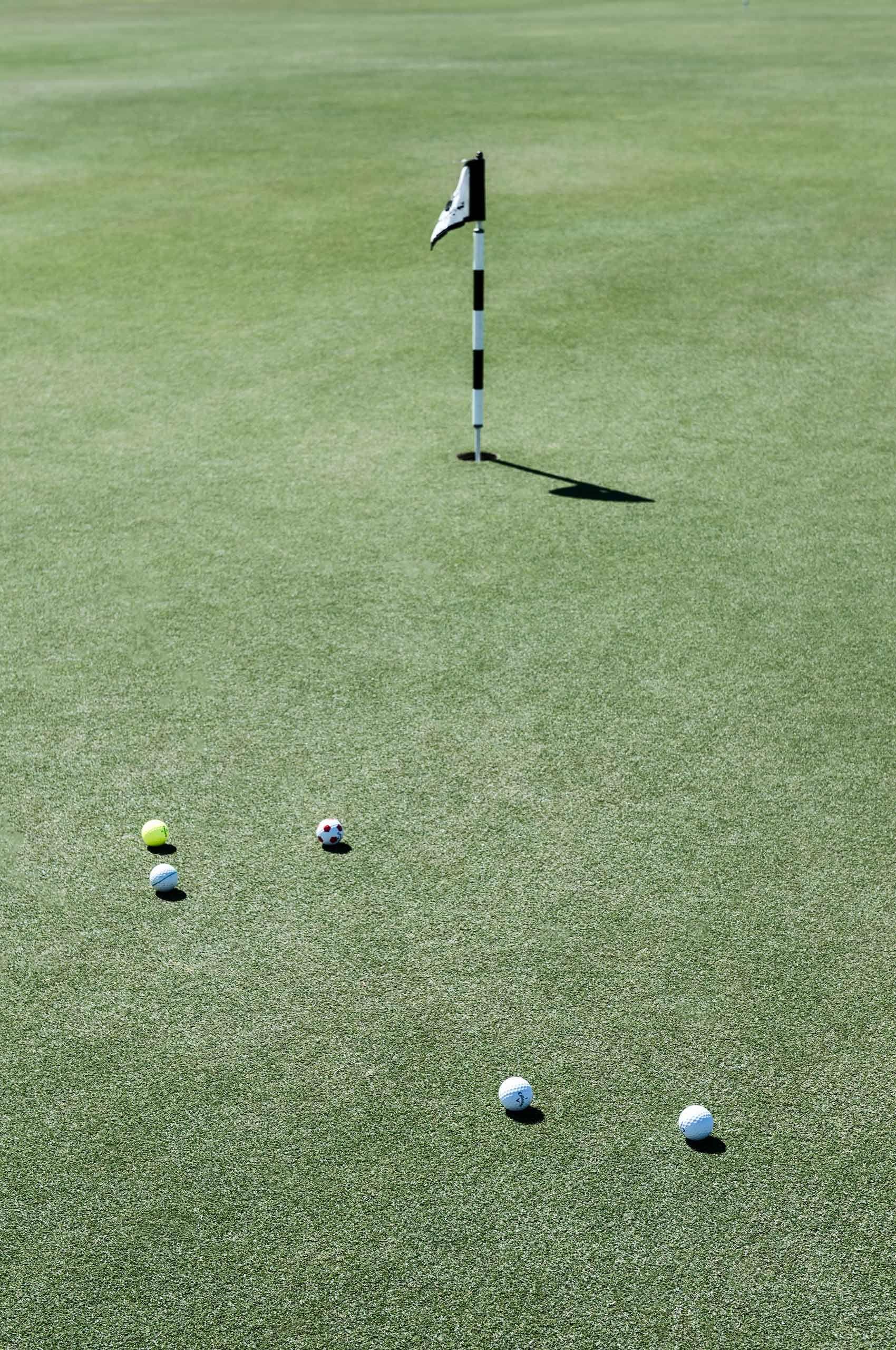 PuttingGreen-Golf-by-HenrikOlundPhotography.jpg