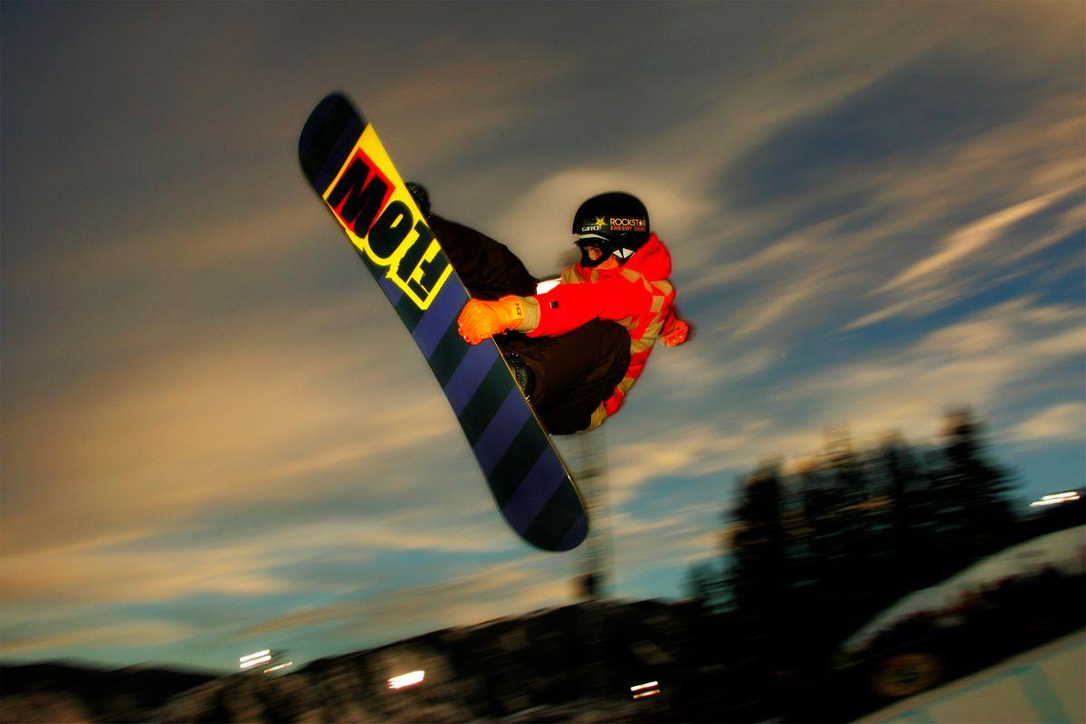 1xgames_snowboarder.jpg