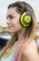 808 headphone on model_AR17851.jpg