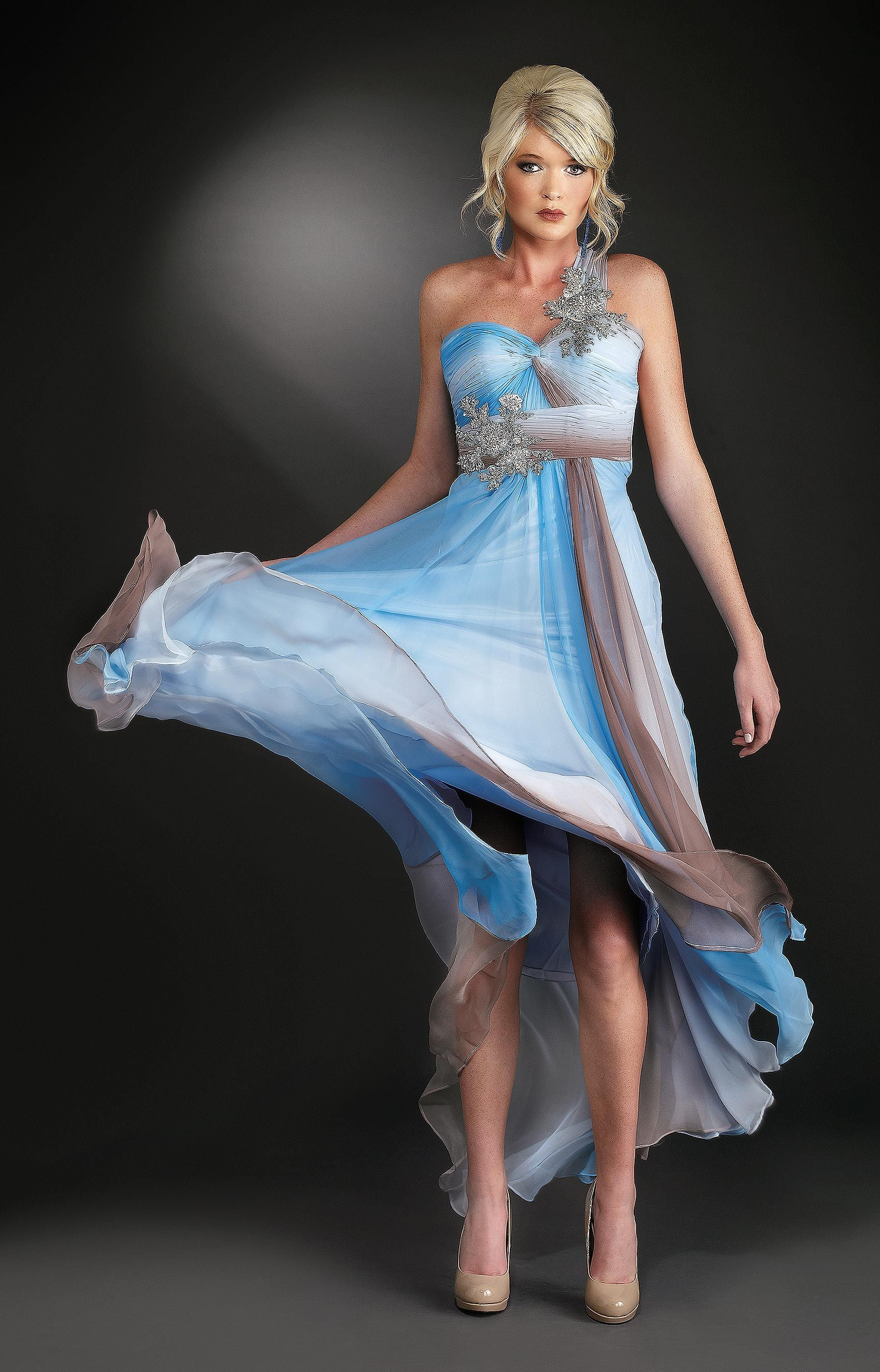 Taylor-Blue-Gown_01.jpg