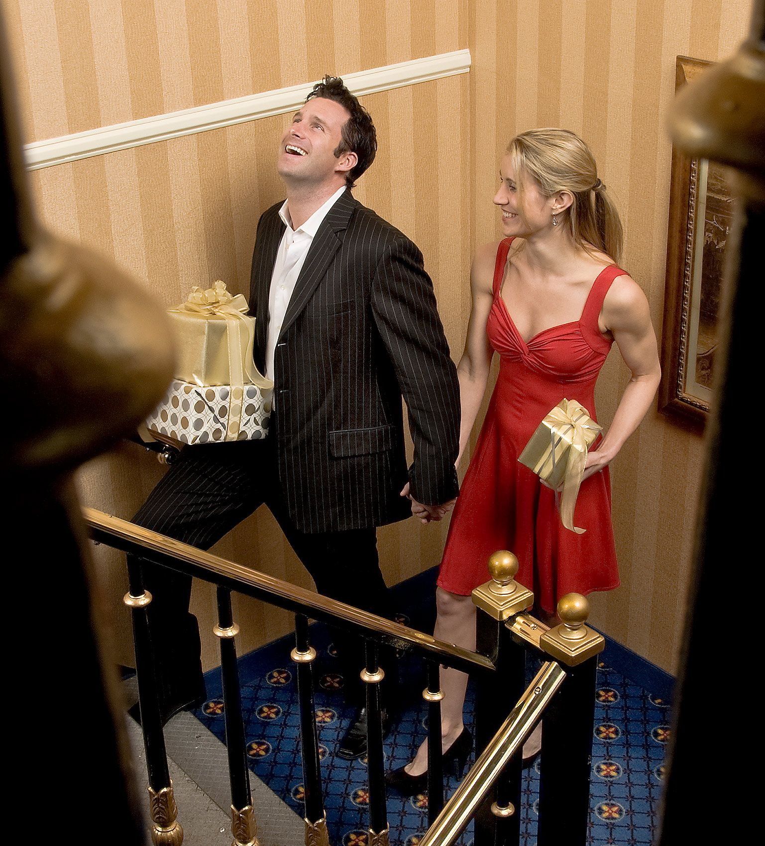 couple-on-stairs_DSC5175_cropped.jpg