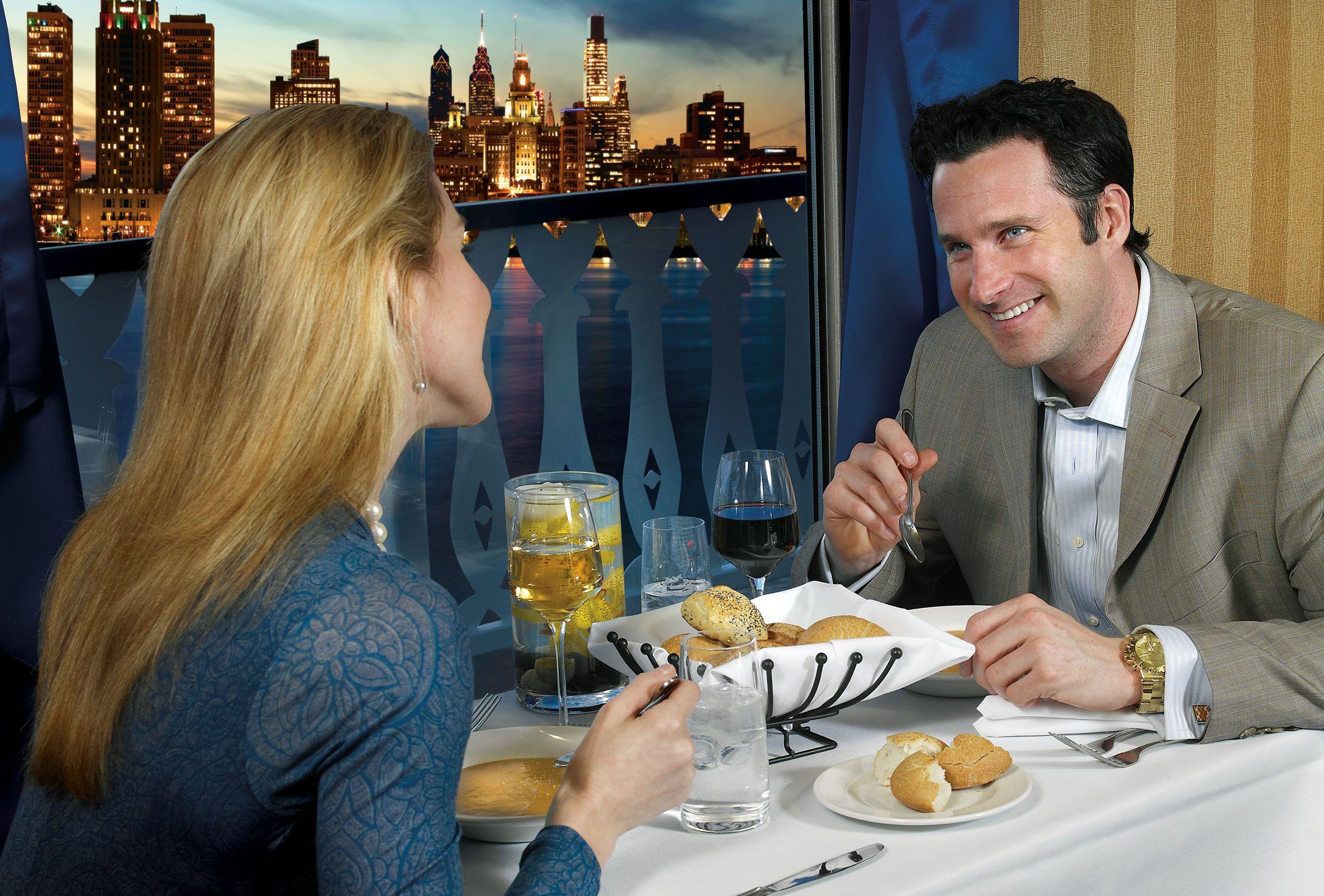 Couple-Dining_01.jpg