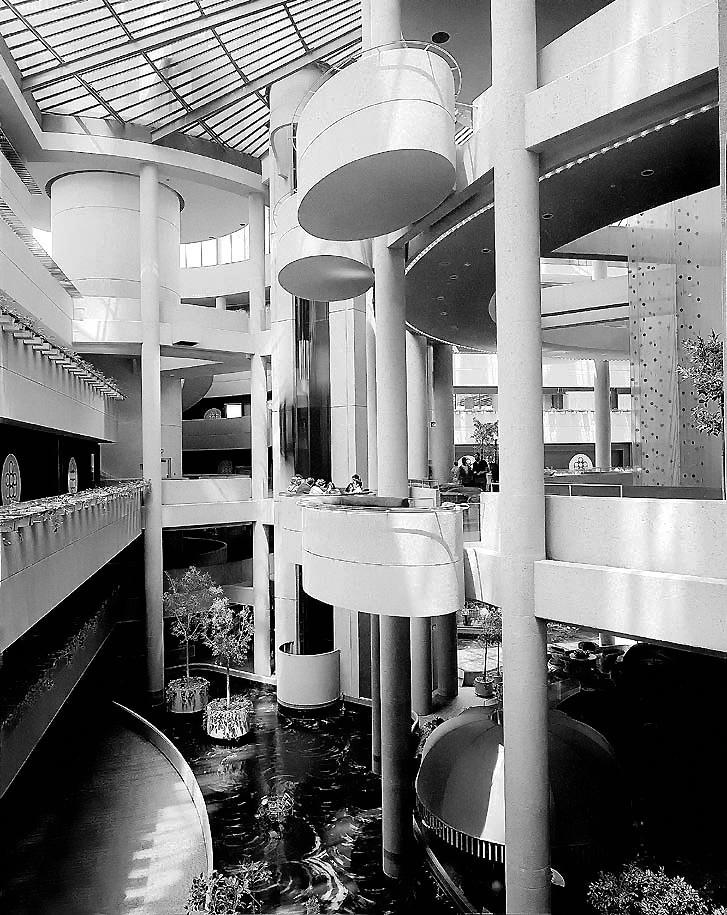bonneventure-interior-lobby.jpg