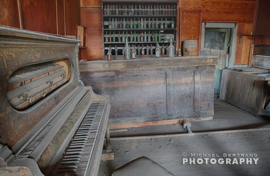 Piano Bar Bodie