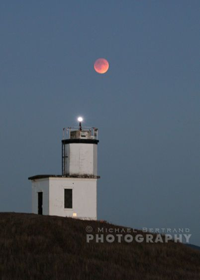 Cattlepoint Lighthouse Eclipse